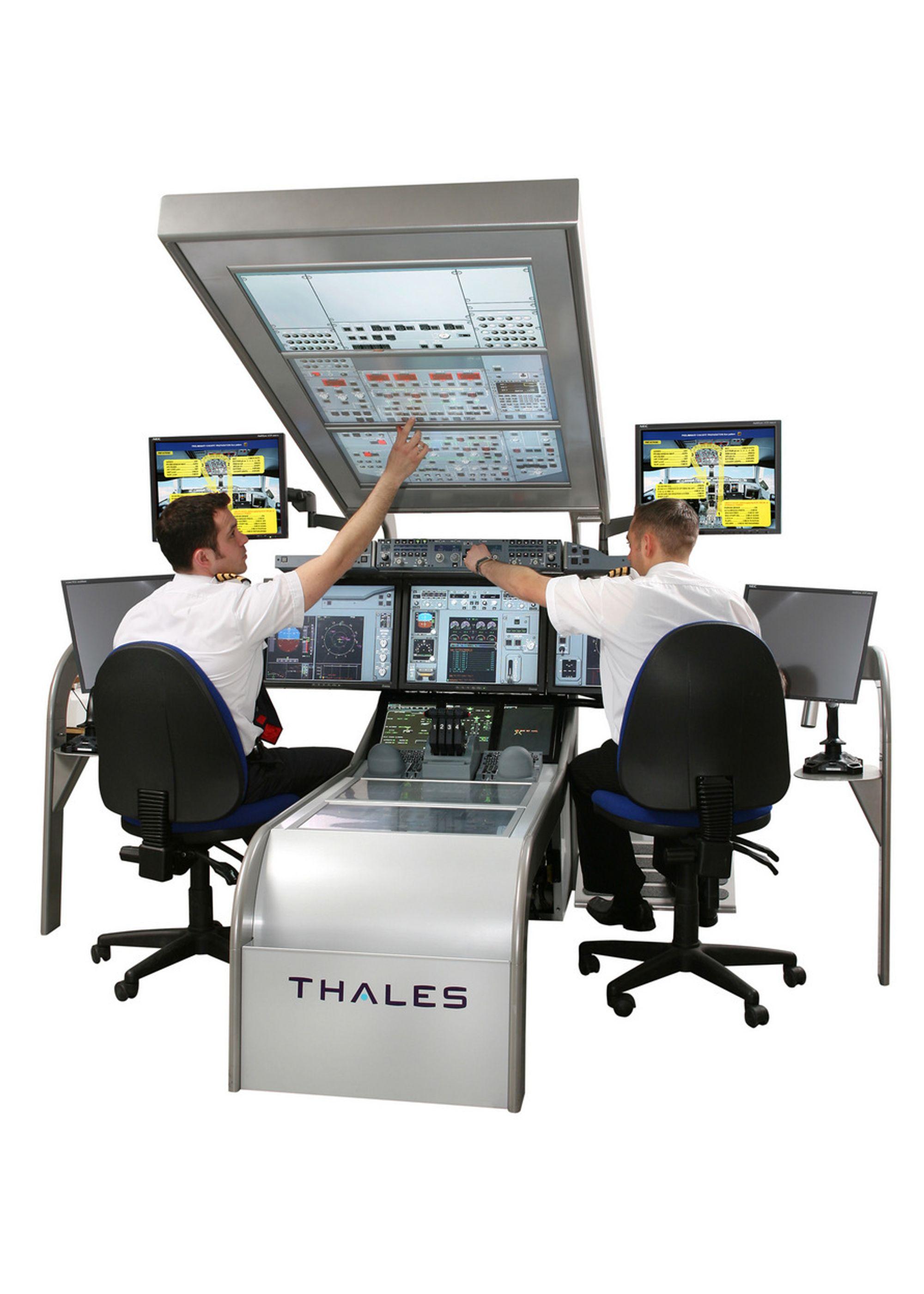 DATASPILL: Thales UK bygger nå nye, avanserte simulatorer for de nye generasjonene passaasjerfly, slike som Airbus A380 og Boeing B787 Dreamliner.