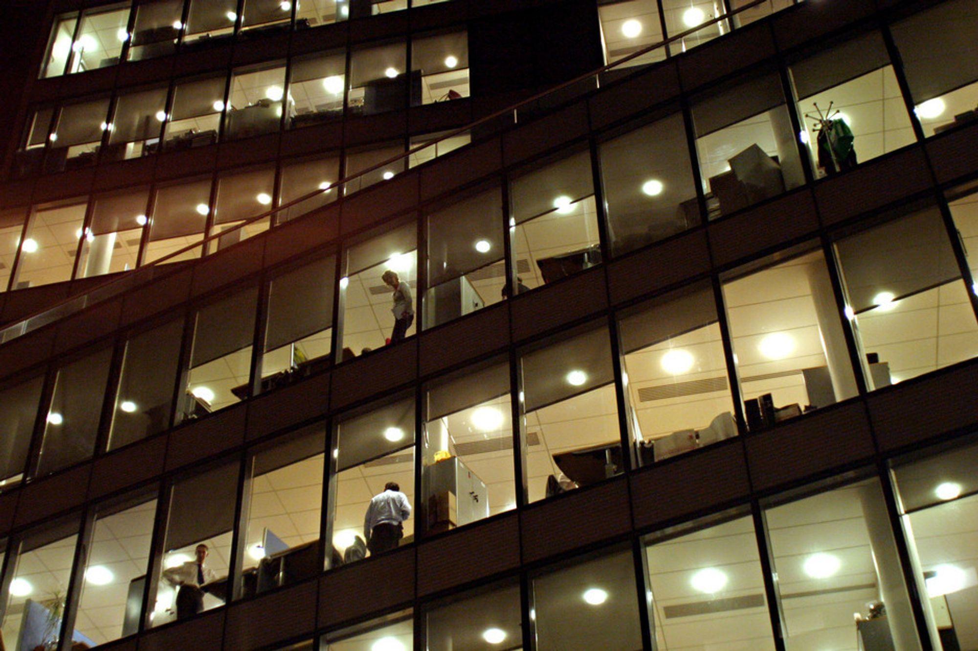 Ni prosent av de spurte arbeidsgiverne i privat sektor oppgir at de har måttet si opp ingeniører det siste året på grunn av bortfall av arbeid.