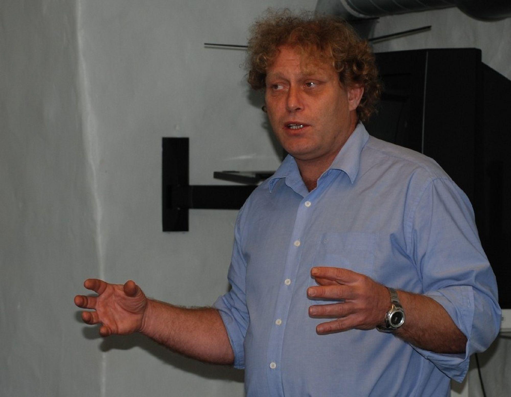 - AVTALEBRUDD: Bellona-leder Frederic Hauge mener regjeringen har forpliktet seg til å lage et rørsystem for CO2 på Mongstad også under pilotperioden fra 2010.