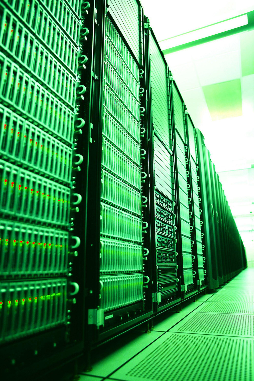 GRØNT DATASENTER: IT-industrien føler som andre industrier presset fra myndigheter og miljøbevegelser for å få kontroll med energiforbruket. Flere IT-konsern har store programmer på dette området.