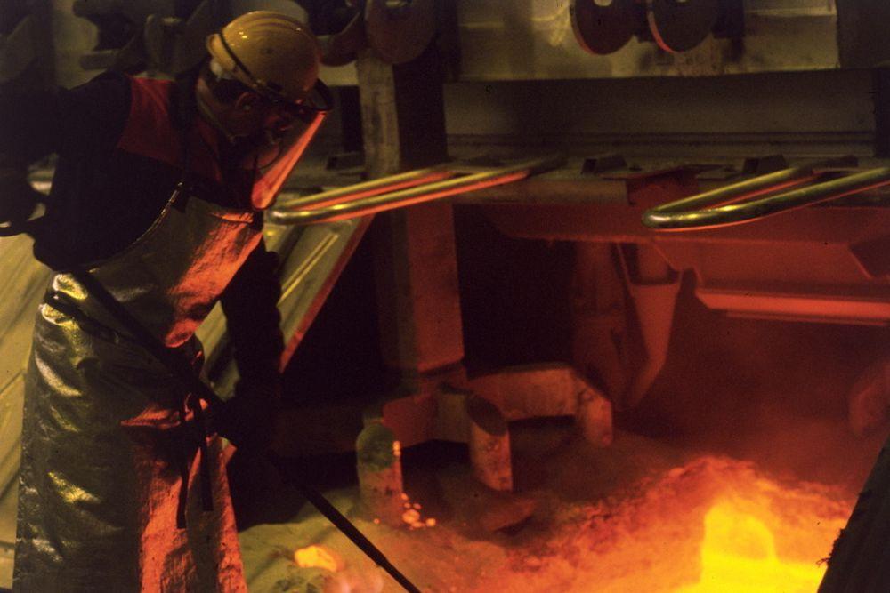 Ved Hydros aluminiumsfabrikk på Karmøy
