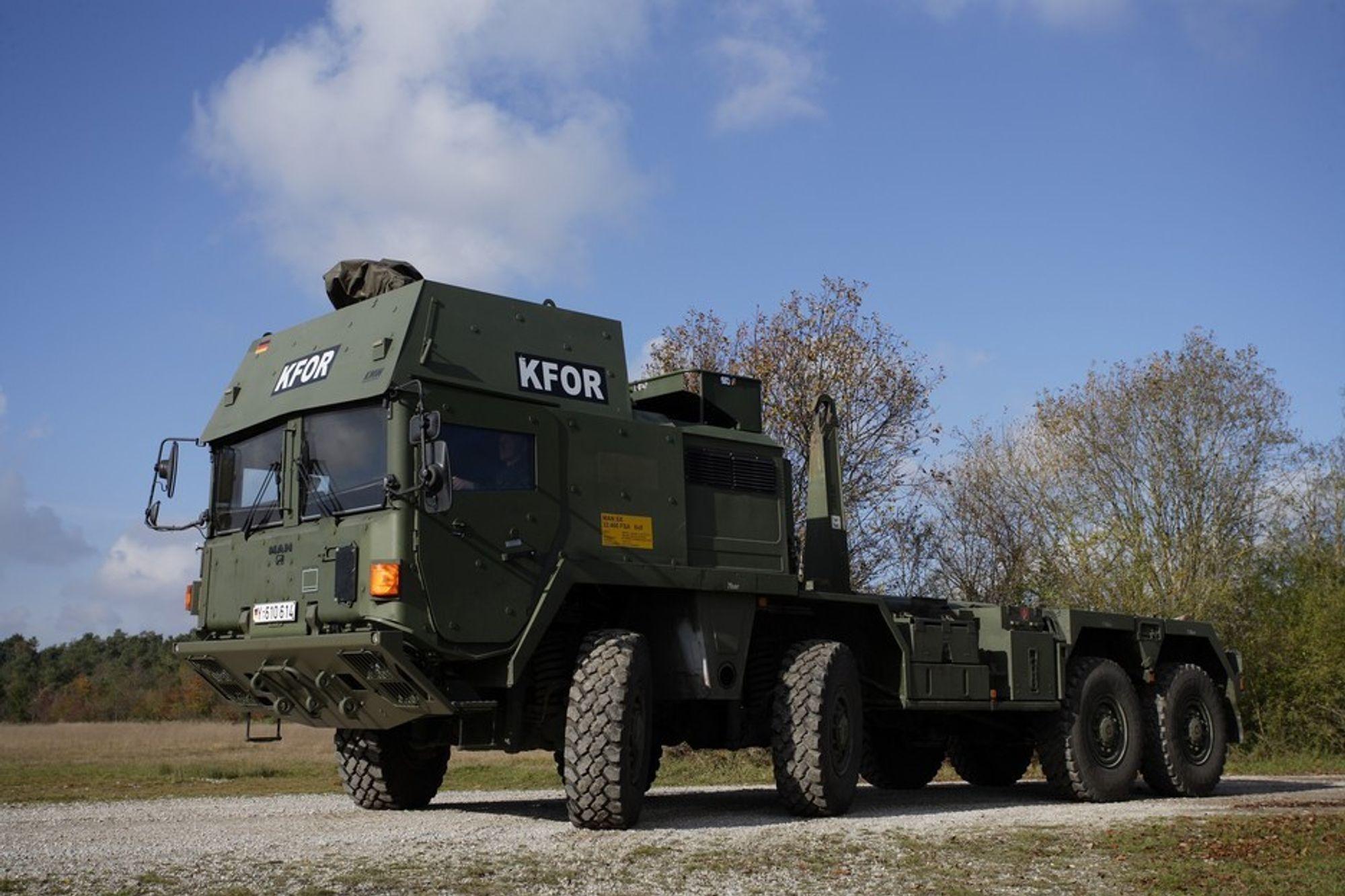 TERRENGVOGN: For å gi tyske soldater en best mulig beskyttelse ved transport i Natos innsatsområder rundt om i verden, har Bundeswehr akkurat bestilt 157 MAN SX. Dreiemoment 1600 Nm, effekt på 326 kW/440 hk og trekk på alle hjul gjør kjempen til rene fjellgeita.