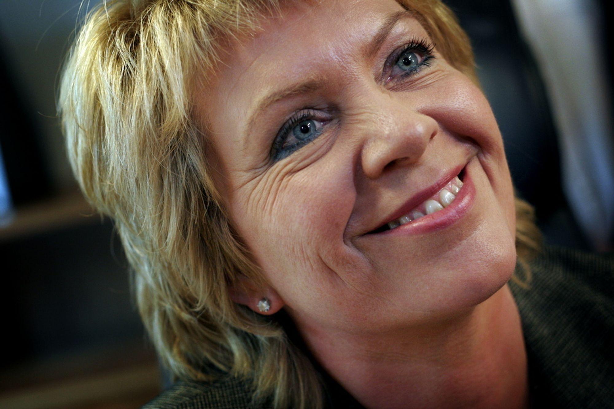 Vil endre støtten: Olje- og energiminister Åslaug Haga har lovet full gjennomgang av støtteordningene for fornybar energi.