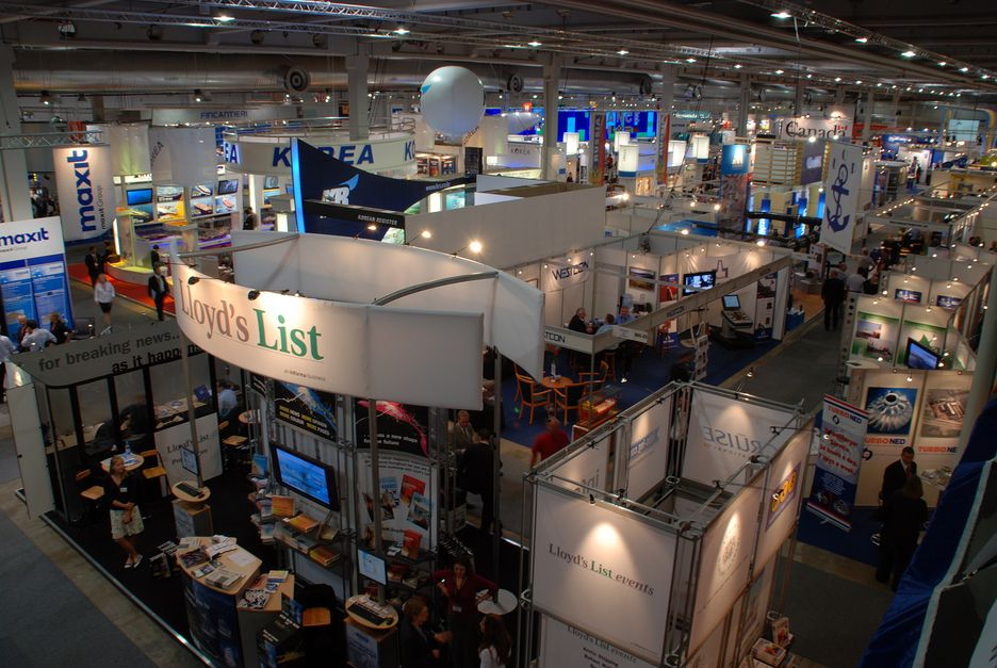 MANGE: Mer enn 825 bedrifter fra 43 land er representert i Lillestrøm under årets Nor-Shipping.