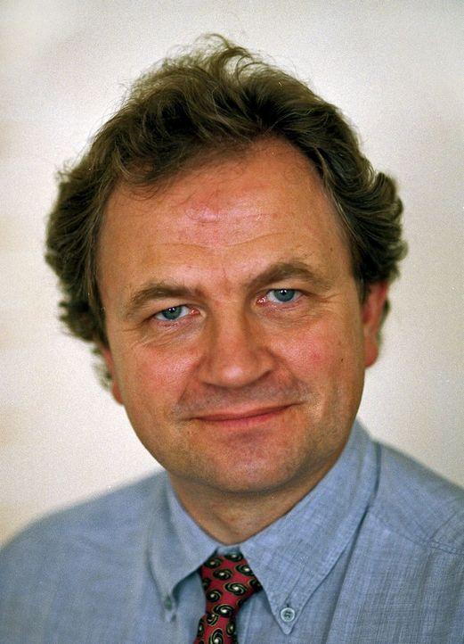 ORMEDREPER: Sjefskonsulent Stein Møllerhaug i datasikkerhetsselskapet Symantec tor ny teknologi kan stoppe de nye lynraske Internett-ormene. Foto: Symantec