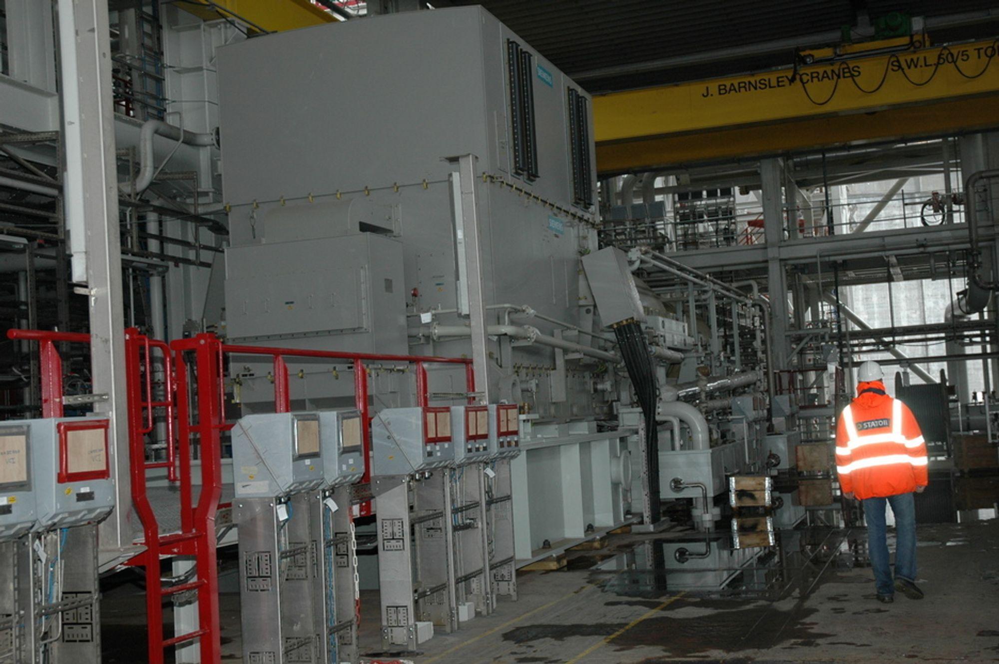 HER VAR FEILEN: Det var lekkasje i sjøvannsdelen i kjølesystemet for kompressorene på Snøhvit som forårsaket driftsstansen.