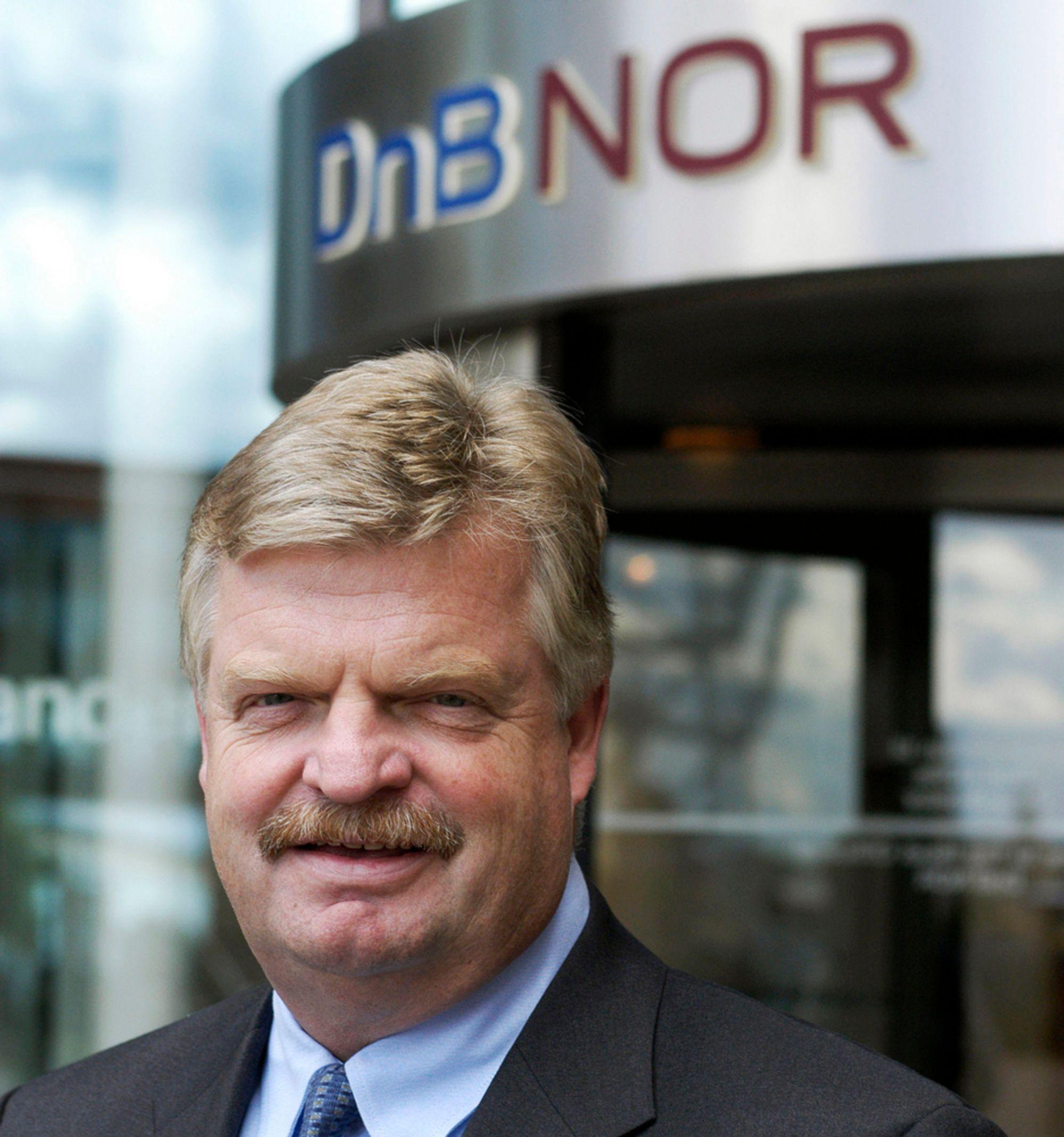 UNDERSØKER FORTSATT: Informasjonssjef Tore Dyrdahl i DnB NOR mangler fortsatt noen svar på hvorfor banken ble hardt rammet av et virusangrep.