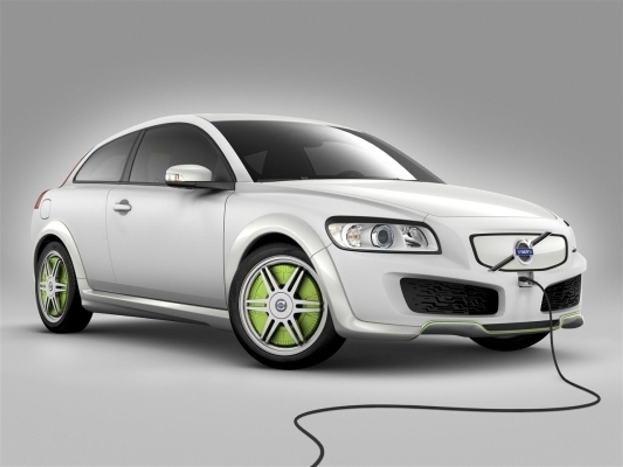 Volvos nye ReCharge er den første hybridbilen som kan kjøre kun på den elektriske motoren.