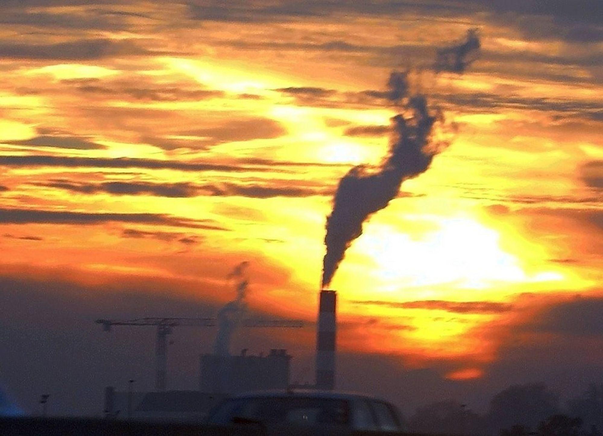 UTSLIPP. Studenter bryner seg på miljøvern i verdensomspennende teknologikonkurranse.