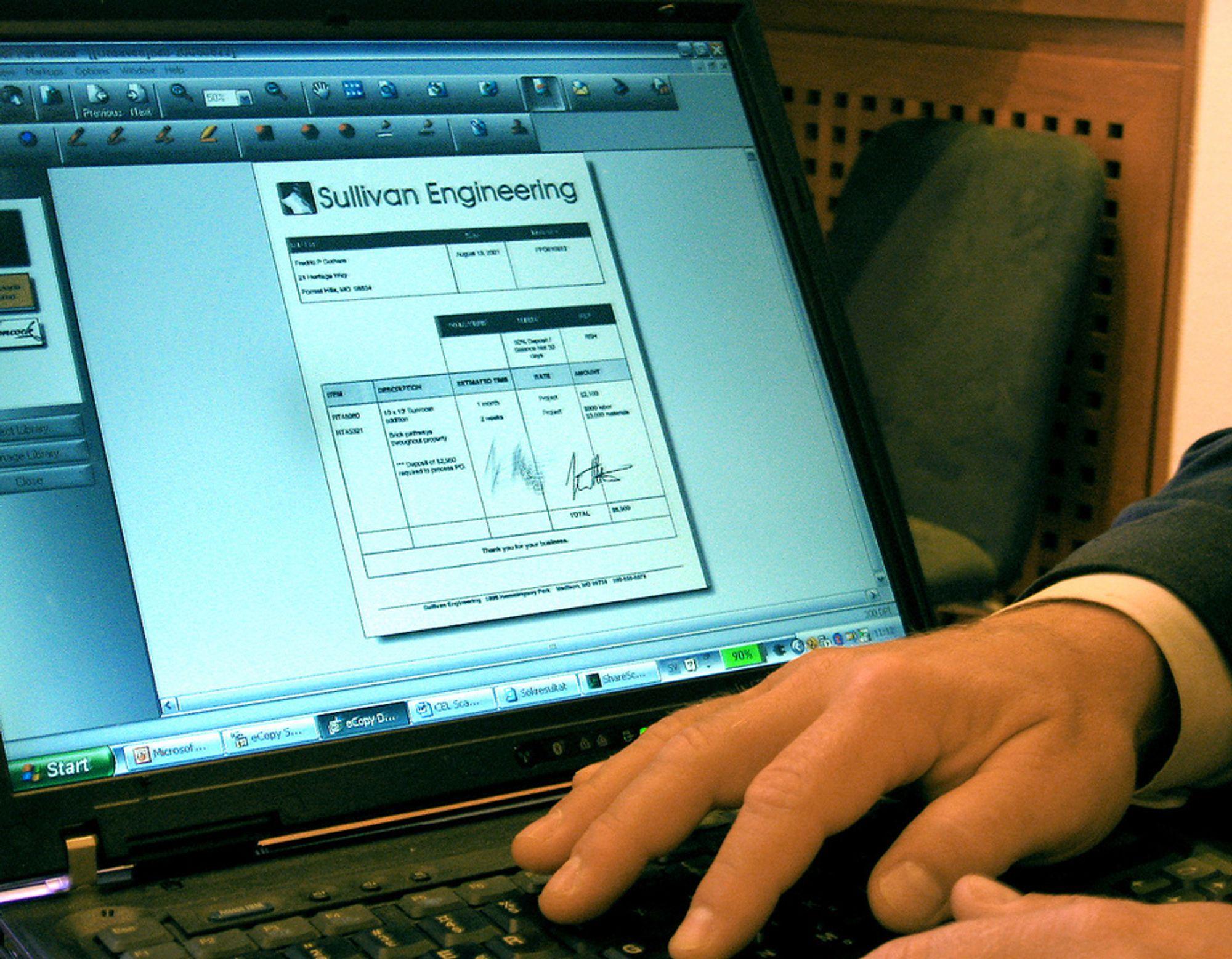 PAPIR PÅ SKJERMEN: eCopys løsninger kan skanne inn dokumenter og tolke teksten og levere dem til rett inn på PC-en som pdf-filer.