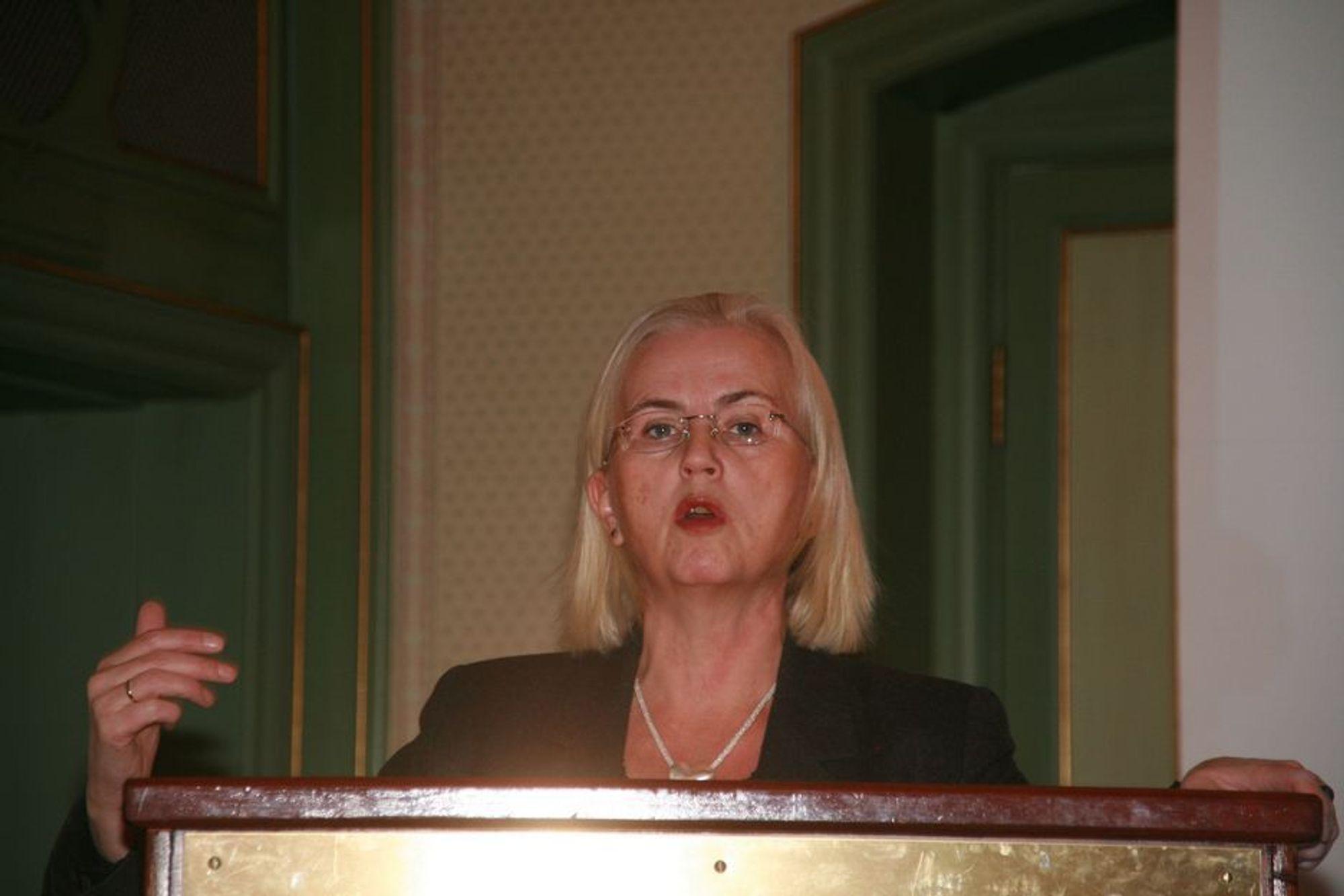 Miljøvernminister Helen Bjørnøy vil ikke gi norsk teknologi fortinn på Kårstø.