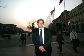 Frederic Hauge sier han er fundamentalt uenig med olje- og energiminister Tord Lien.
