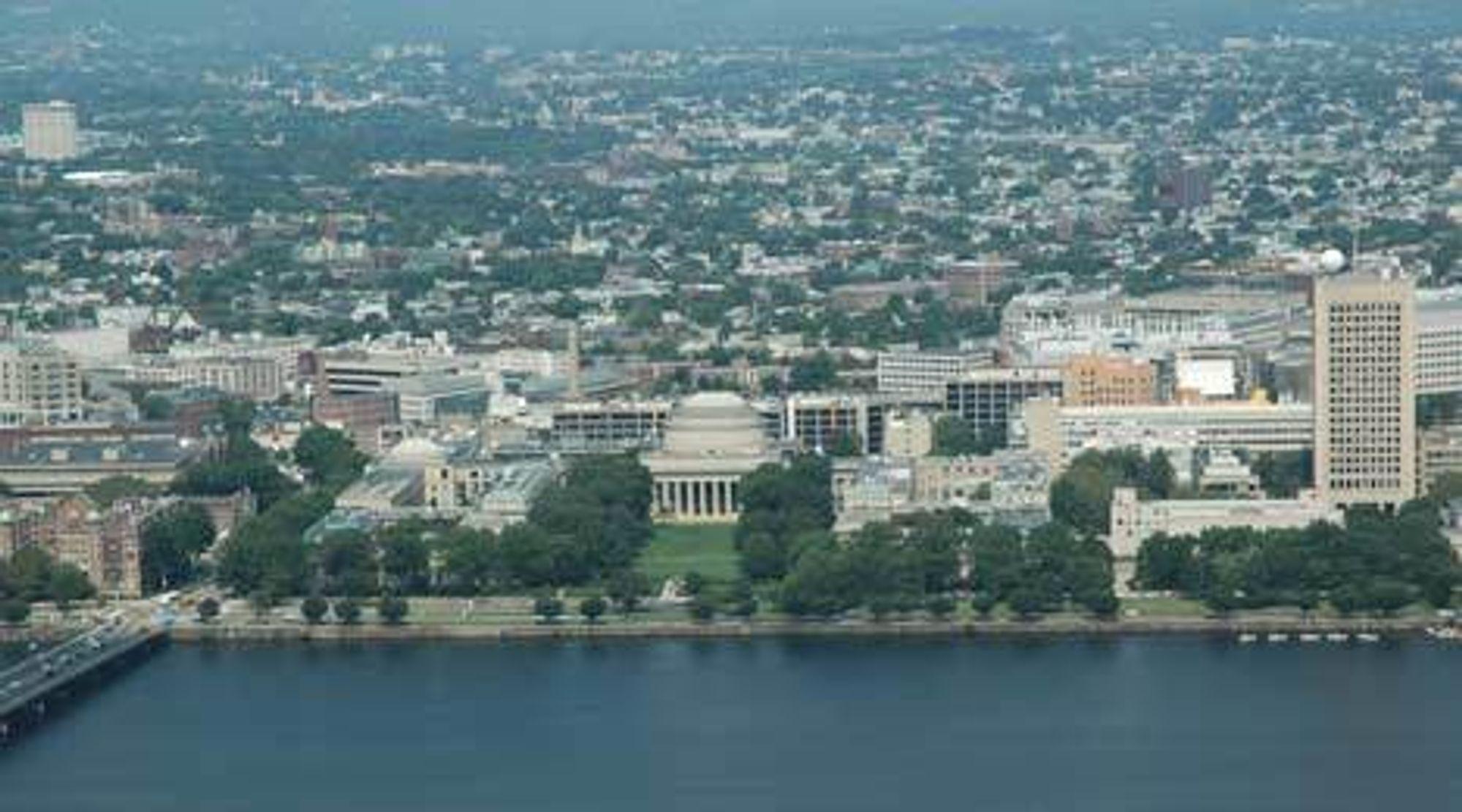 NY STRUKTUR: Det tradisjonelle ingeniøruniversitetet MIT i Boston merker endringene på kroppen. I år er det for første gang i MITs historie ikke lenger forsvarsdepartementet med helsedepartementet som er største bidragsyter.Foto: J. Seehusen