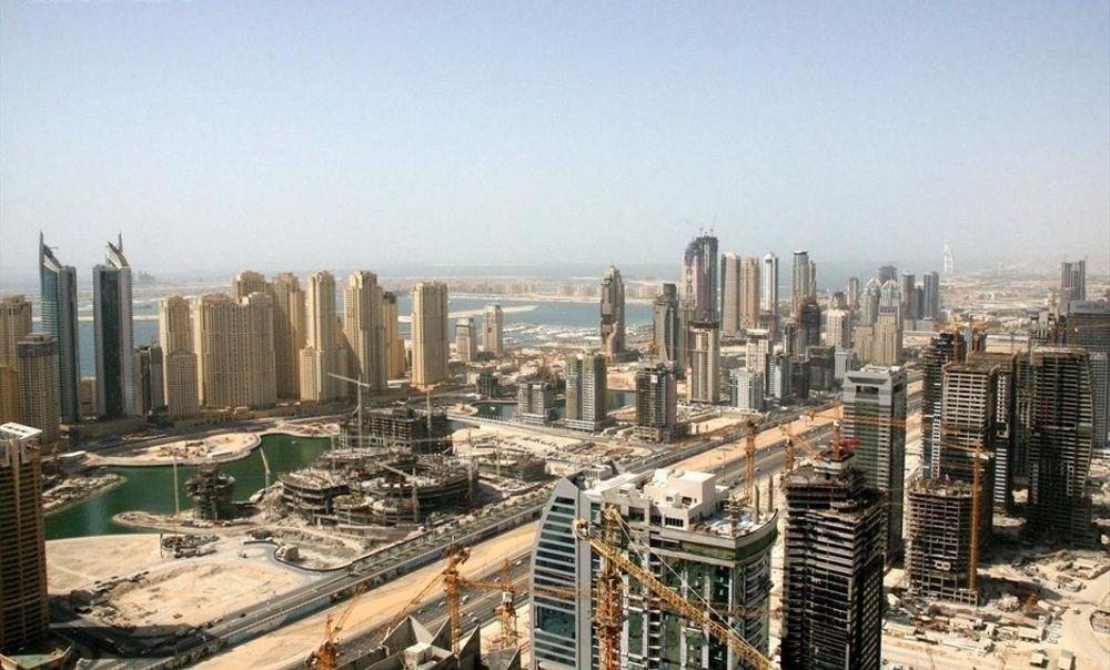 Dubai Marina begynner å ta form. Målet er å bli verdens største kunstige marina.