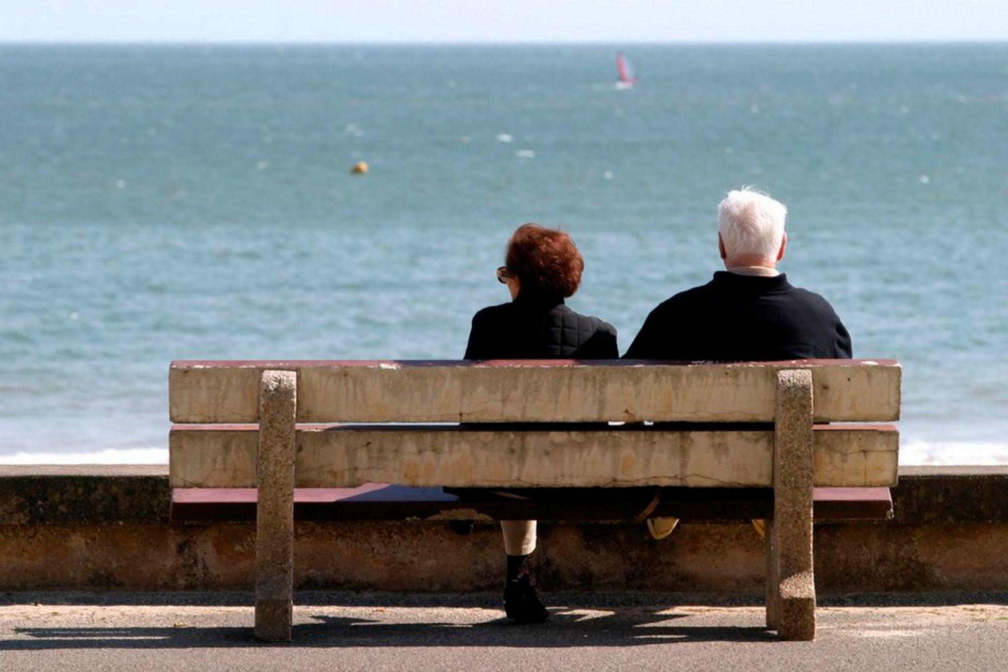 Eldre arbeidstakere. Seniorer. Gamle. IA-avtale. Sykefravær. Arbeidsmarkedet.