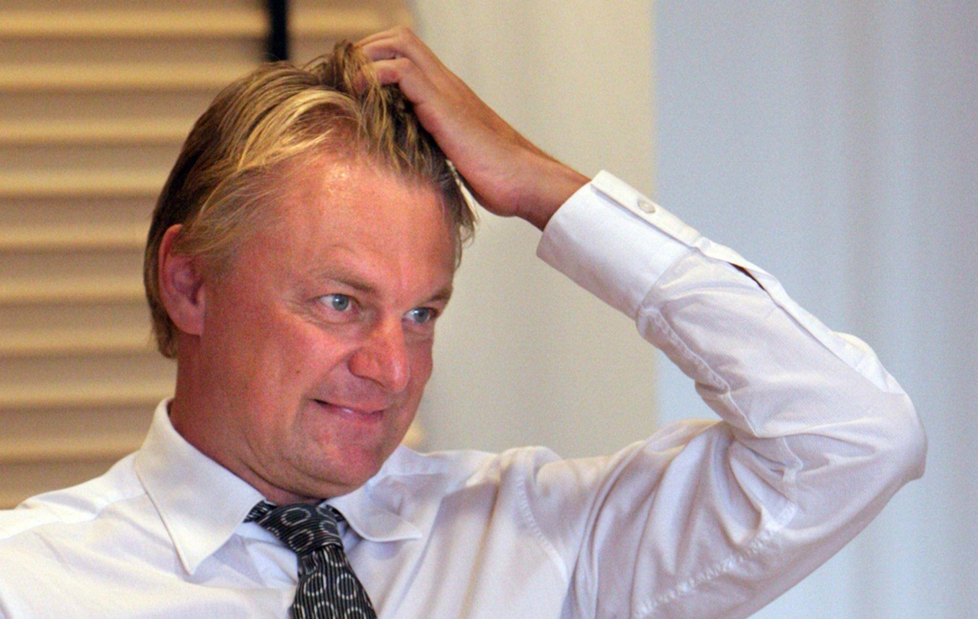 HVEM SKAL JEG KJØPE OPP?: Claus Hougesen sier til Teknisk Ukeblad at  konsernledelsen i Ementor i disse dager legger konkrete planer om hvilke norske oppkjøp som skal foretas før nyttår.