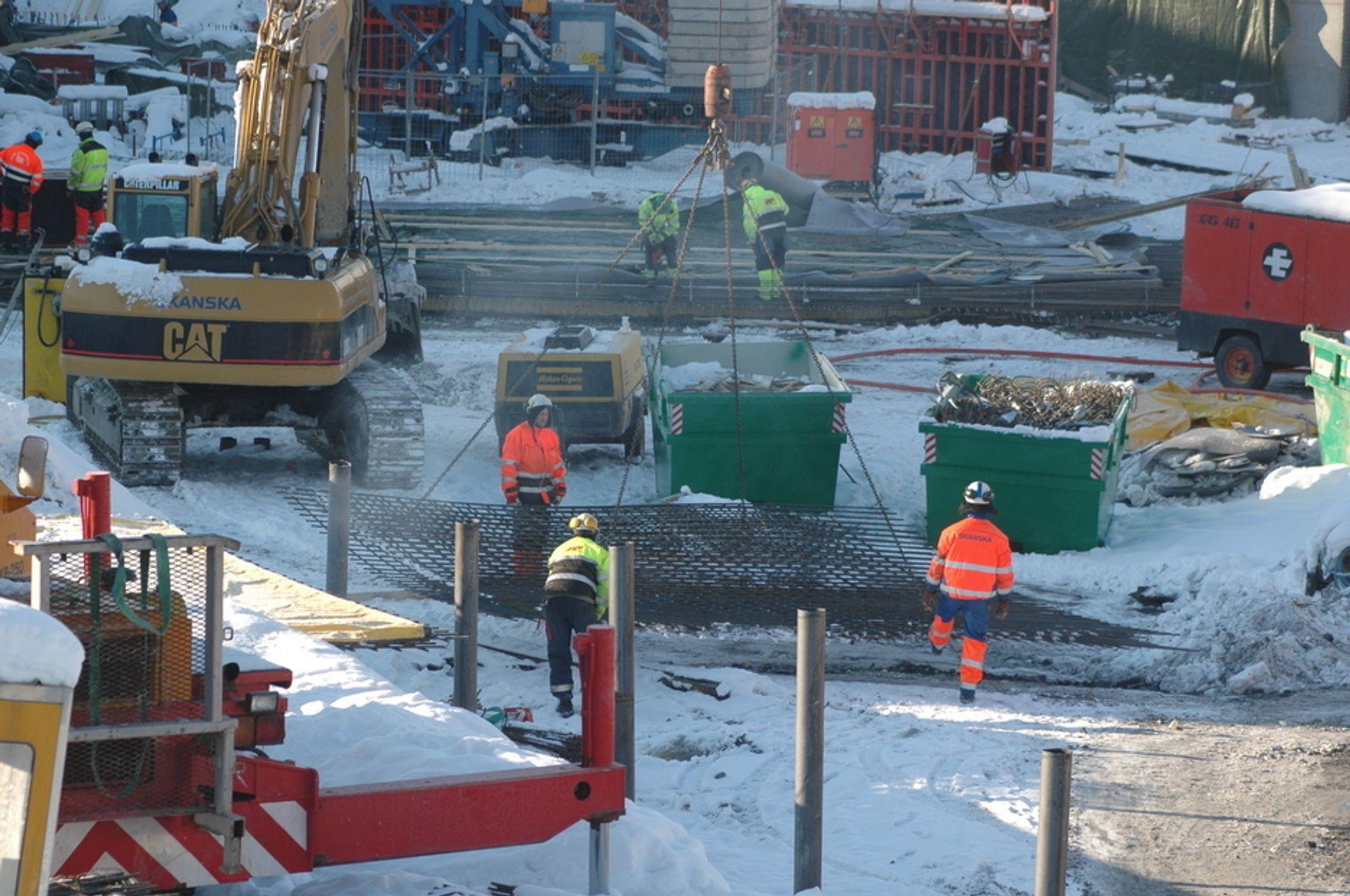 Arbeideren er tilbake på byggeplassene, blant annet på Akers nye hovedkvarter Akerhus på Fornebu.