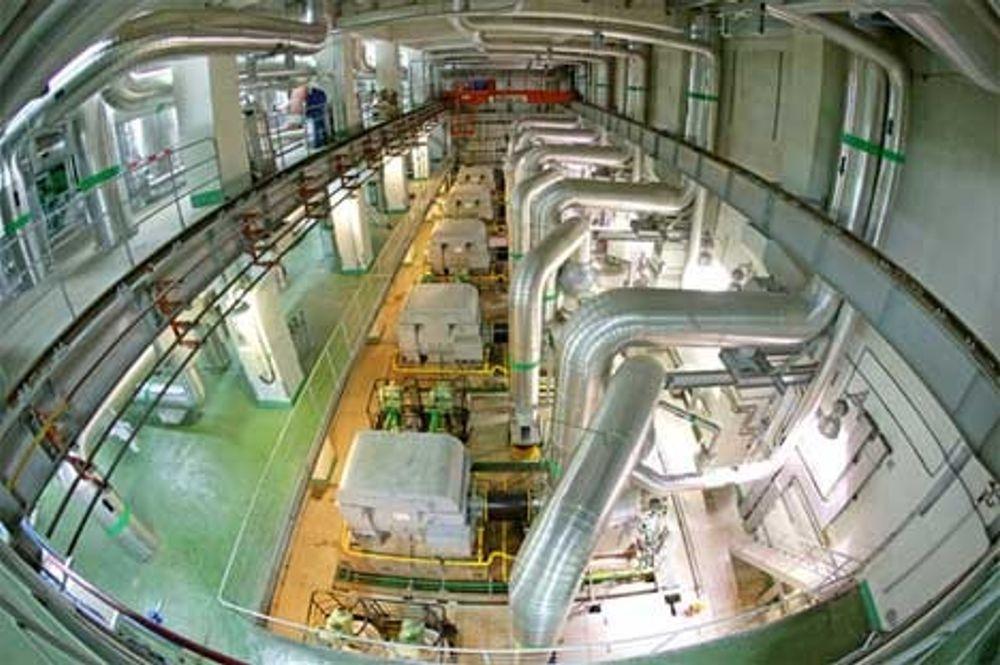 Reaktorhallen på kinas hittil største kjernekraftverk (1000 MW) i Tianwan.
