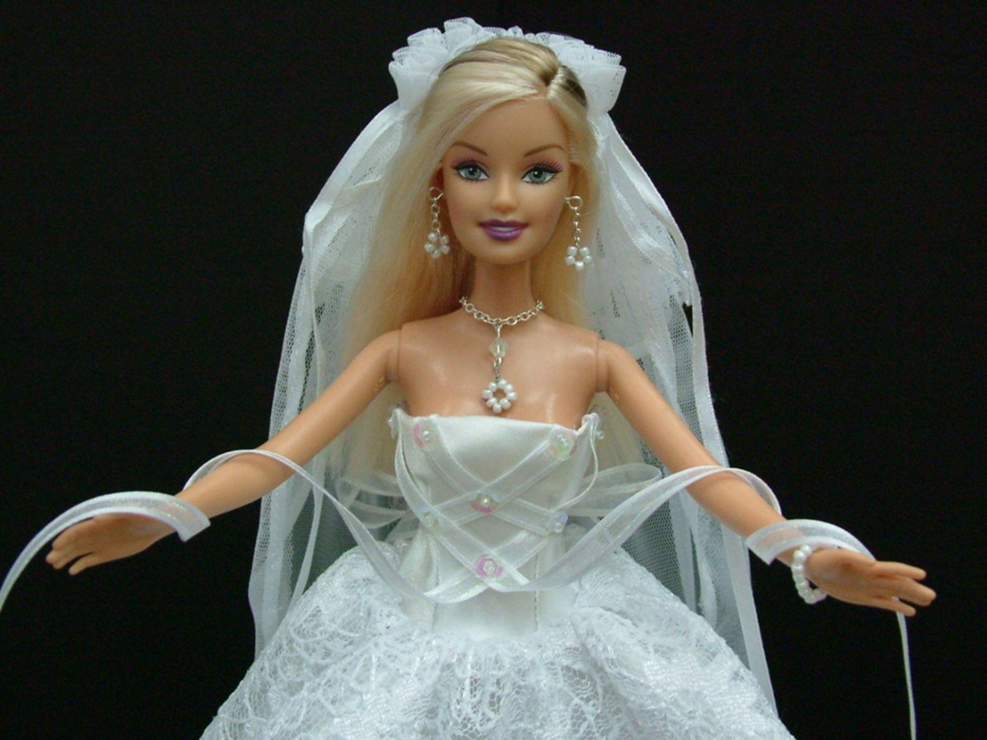 Ftalater brukes ofte til mykgjøring av dukker, og da spesielt dukkenes ansikter.