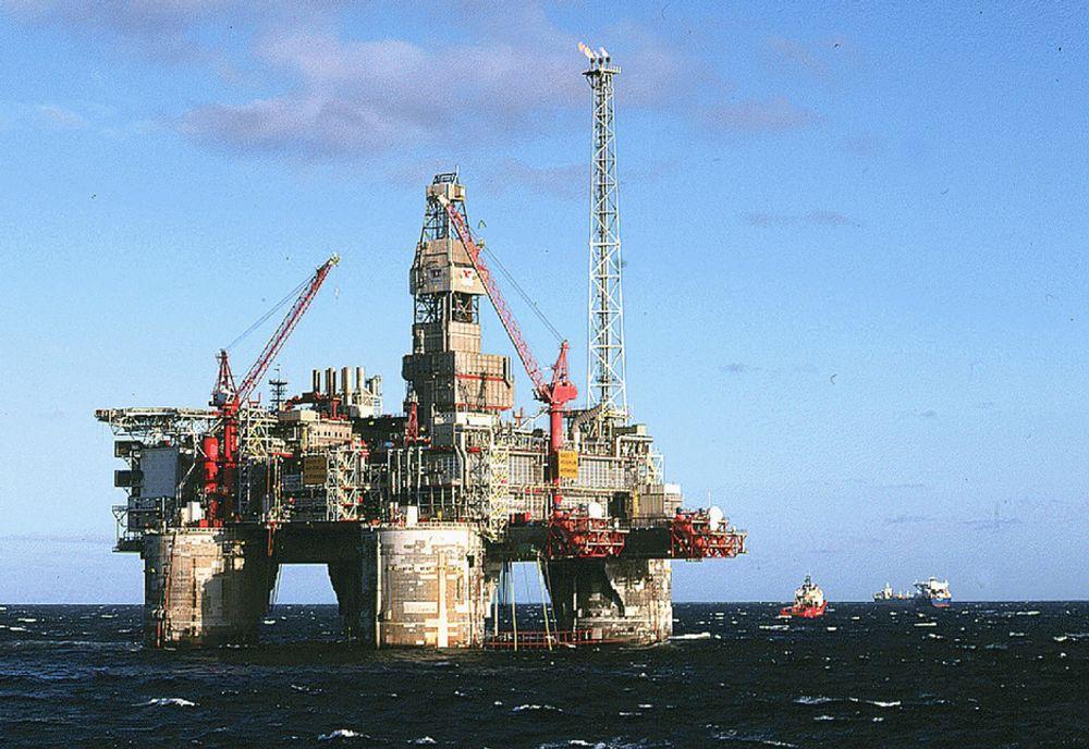 Heidrun må få de nye og forsterkede livbåtene på plass før produksjonen kan gjenopptas.
