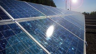 Nå kan du få støtte til å installere solceller på taket
