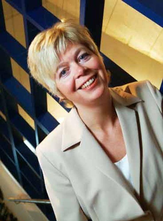 FJERNSTYRING: Ellen Kvindesland er kundeansvarlig for Telenor og Forsvaret, men er for tiden stasjonert i London hos Steria UK.