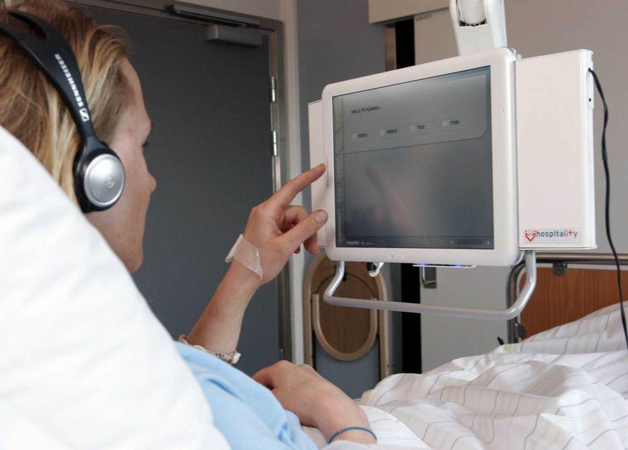 Mange tilbud: Pasienter ved sykehusene i Oslo får i nærmeste fremtid spille spill og se filmer ved hjelp av en terminal som denne.