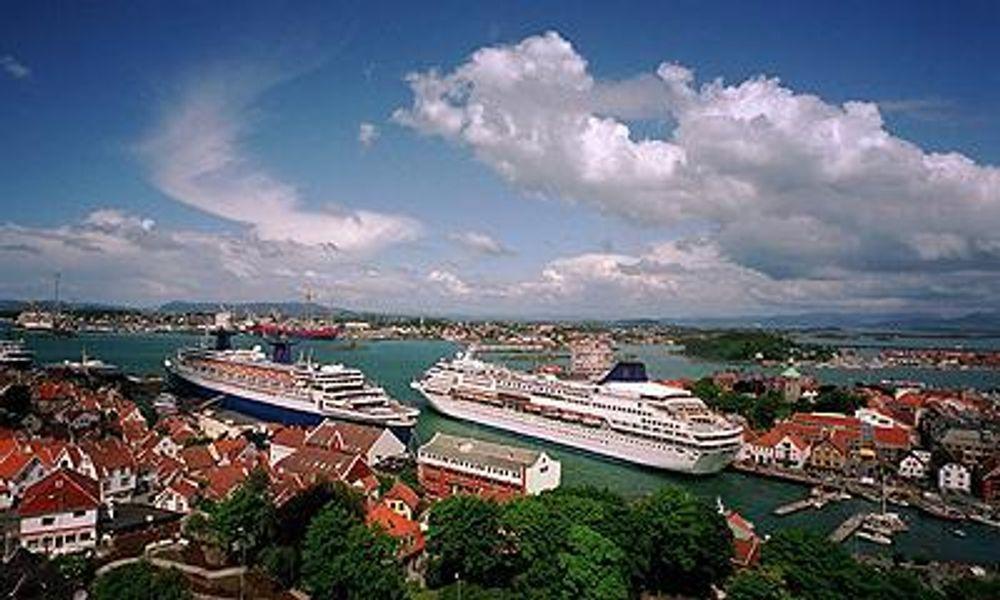 Cruiseskip ved kai i Stavanger.