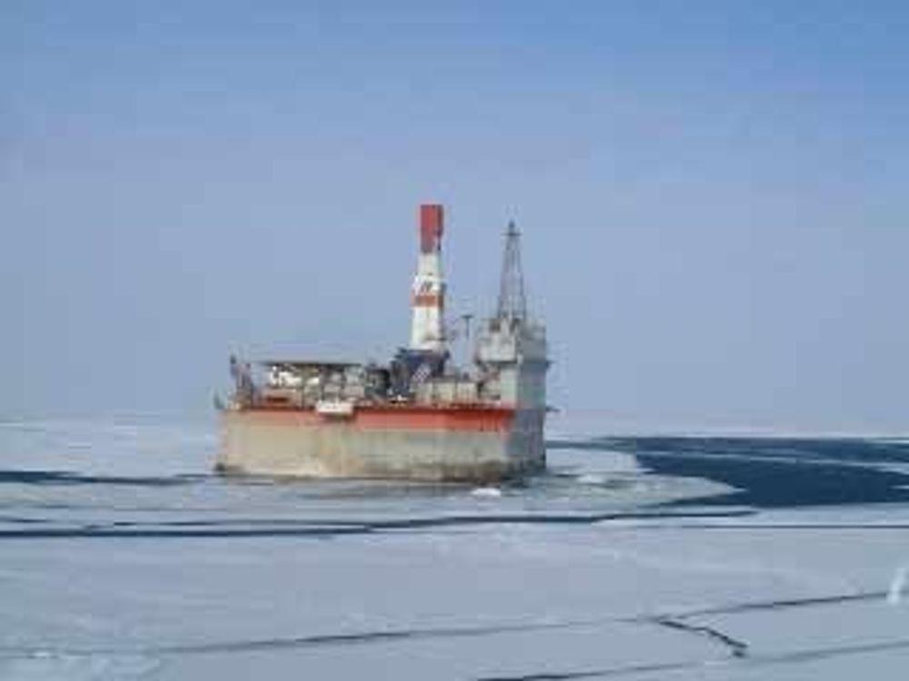 Utbyggingen av Sakhalin II er i gang. Her fra Sakhalin Energys Molikpaq-plattform.