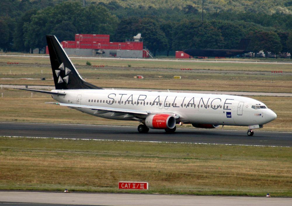 SAS-teknikerne på Sola er spesialister i blant annet tungt vedlikehold av de klassiske Boieng 737-maskinene, som SAS Braathens har en mengde av.