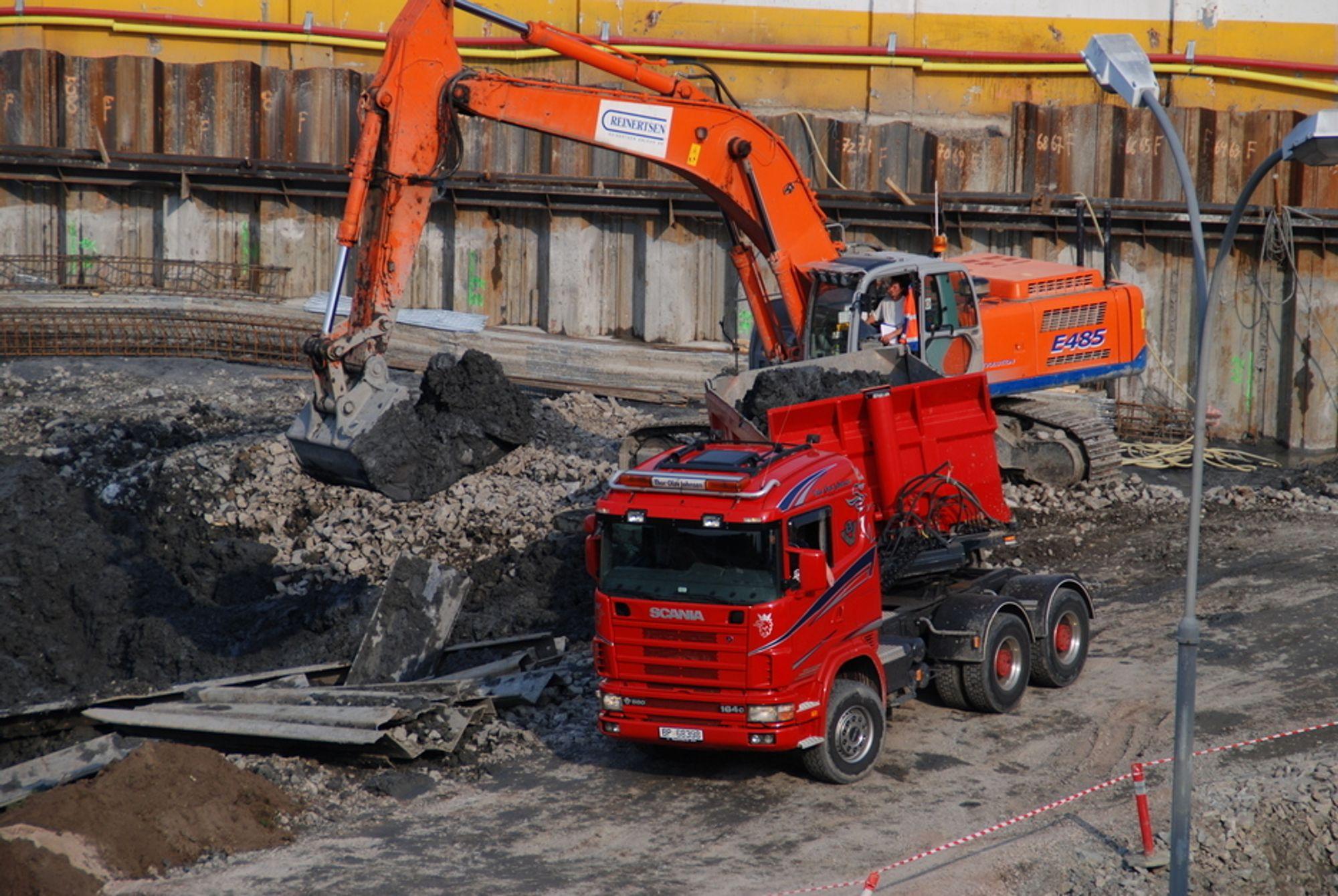 STØRST VEKST: Grunnarbeid, som blant annet omfatter flytting av masse, økte mest i bygge- og anleggsbransjen fra 2004 til 2005.