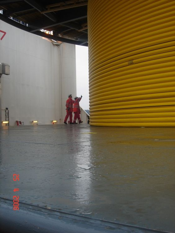 SOM ORMEN LANGE: Skipet Skandi Neptune la kontrollkablene til Ormen Lange. De var på 125 kilometer, elleren kilometer kortere enn de som nå skal legges ut til Laggan og Tormore.