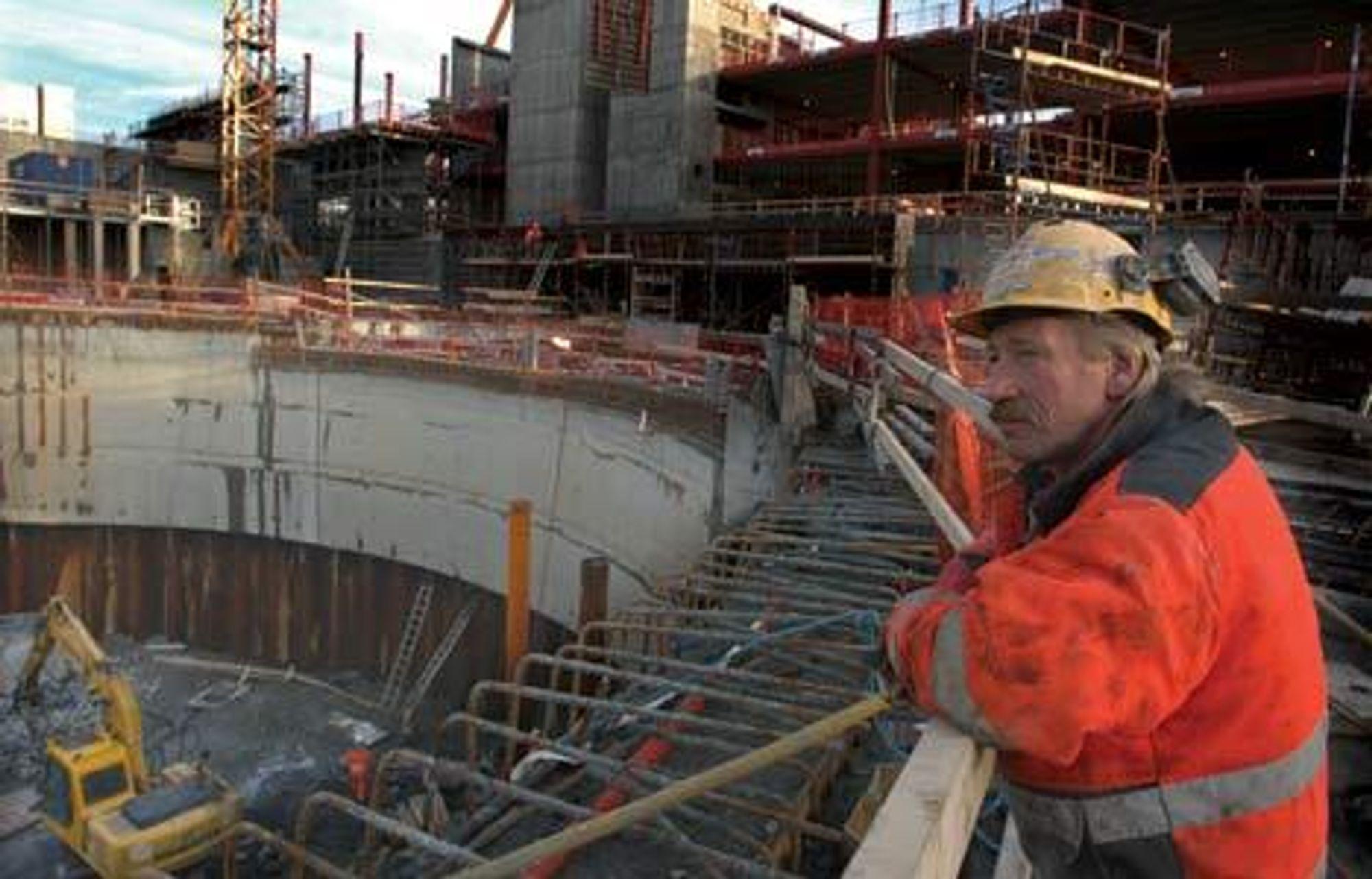 Det blir få hvilepauser på norske byggeplasser i 2007. Dette er fra operaen i Bjørvika i fjor.