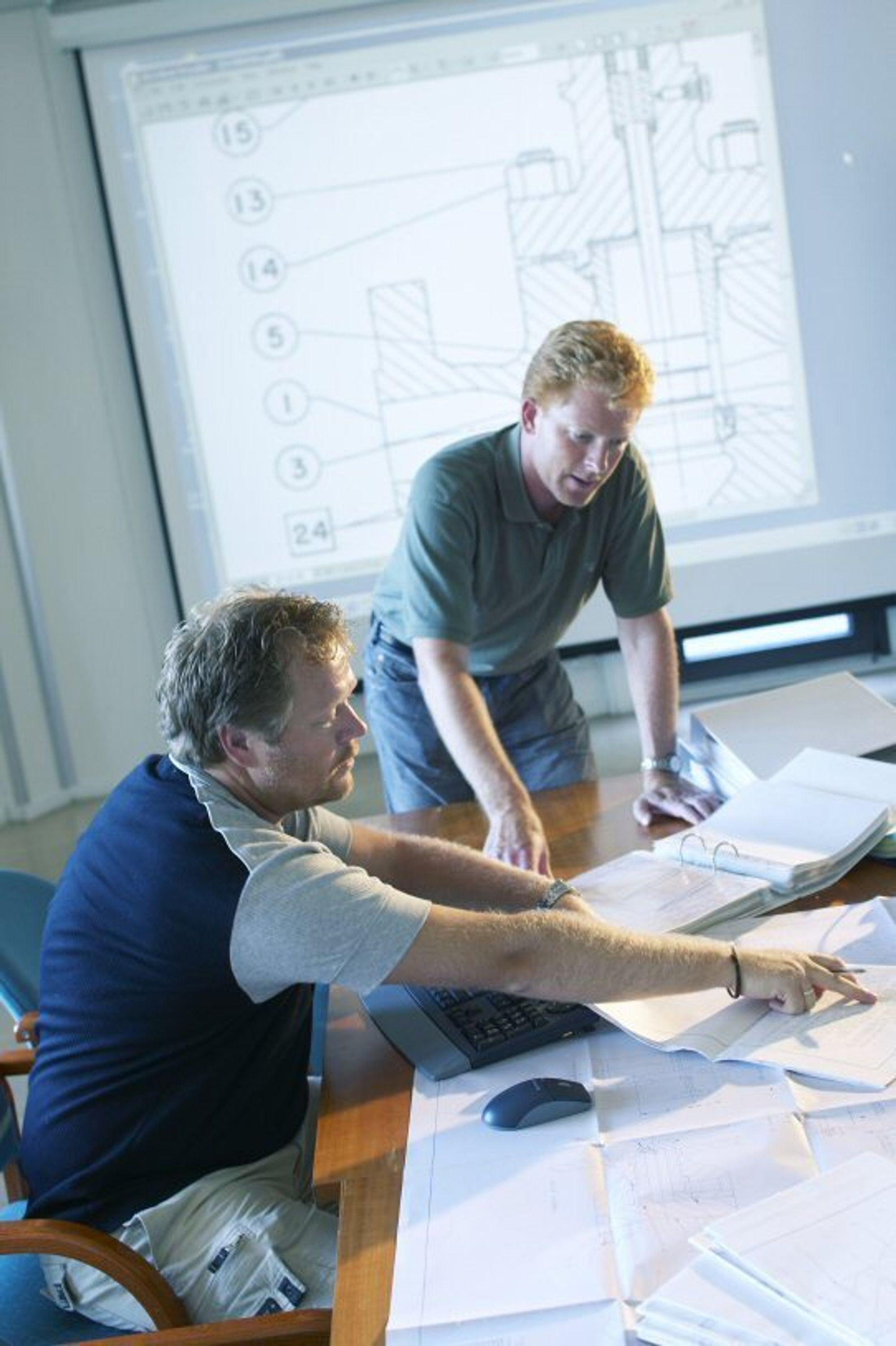 Prosjketingeniører i engineering- og prosjektsamarbeid på tvers av firma- og fagområder.