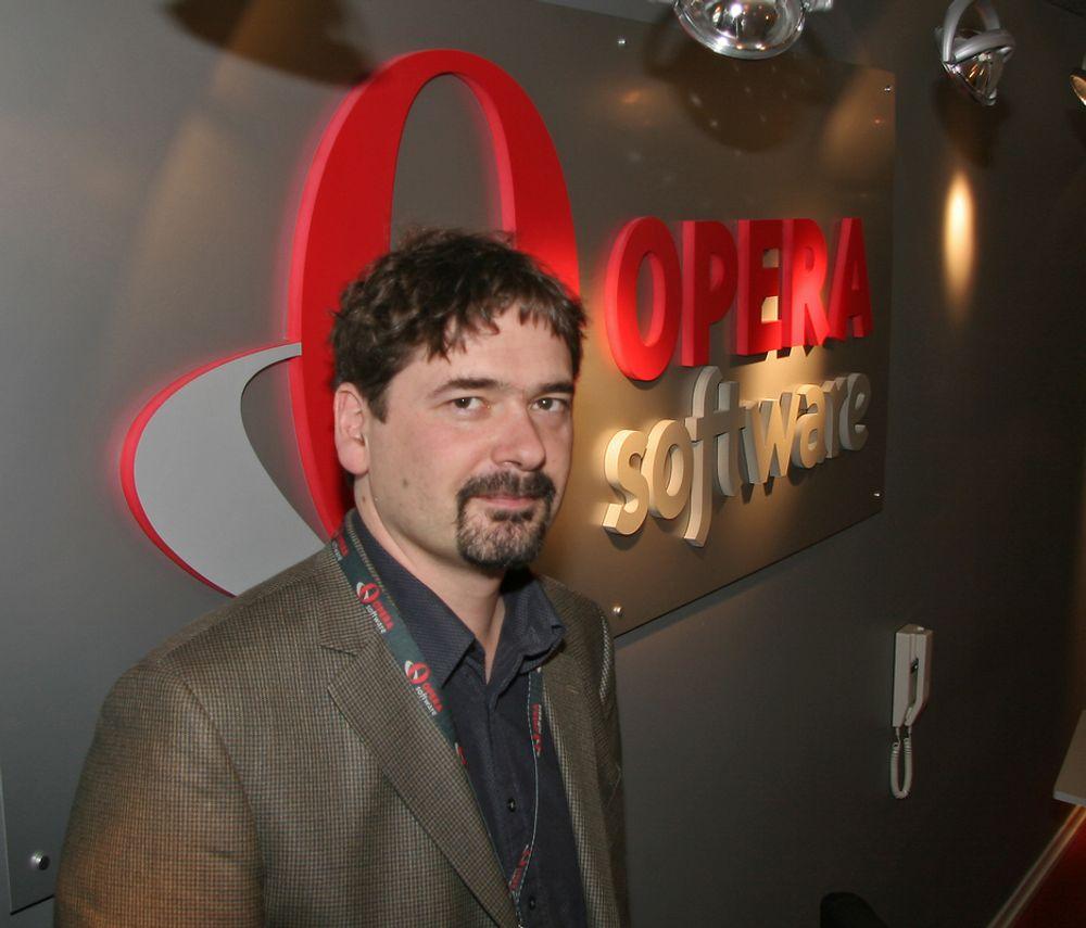 """Lett: Opera med  Jon S. von Tetzchner i spissen skal utvikle """"lettnettleser"""" for u-landsmarkeder."""