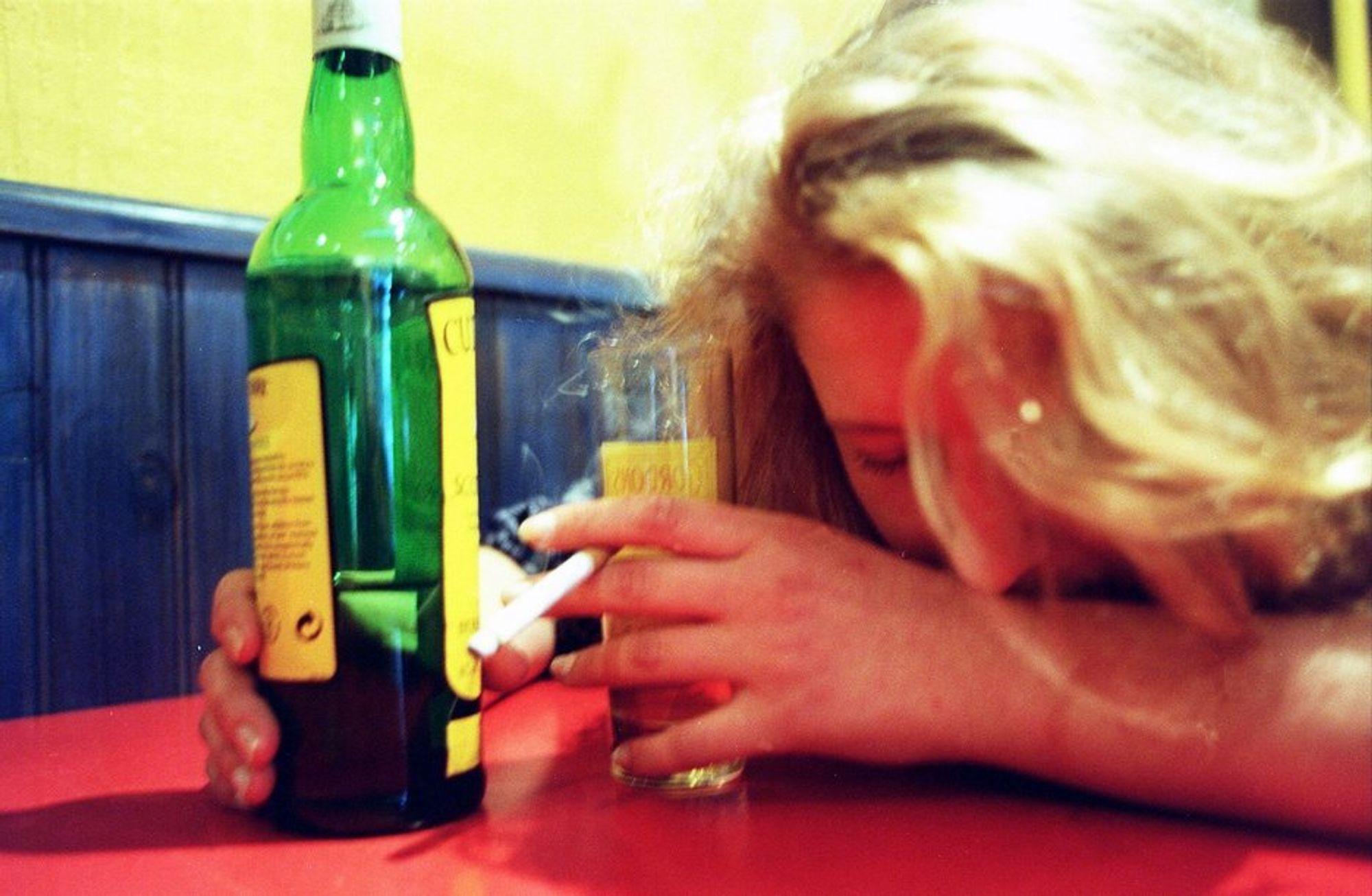 MEDISIN: Alkohol fungerer dårlig som remedium mot angst og sosiale problemer.