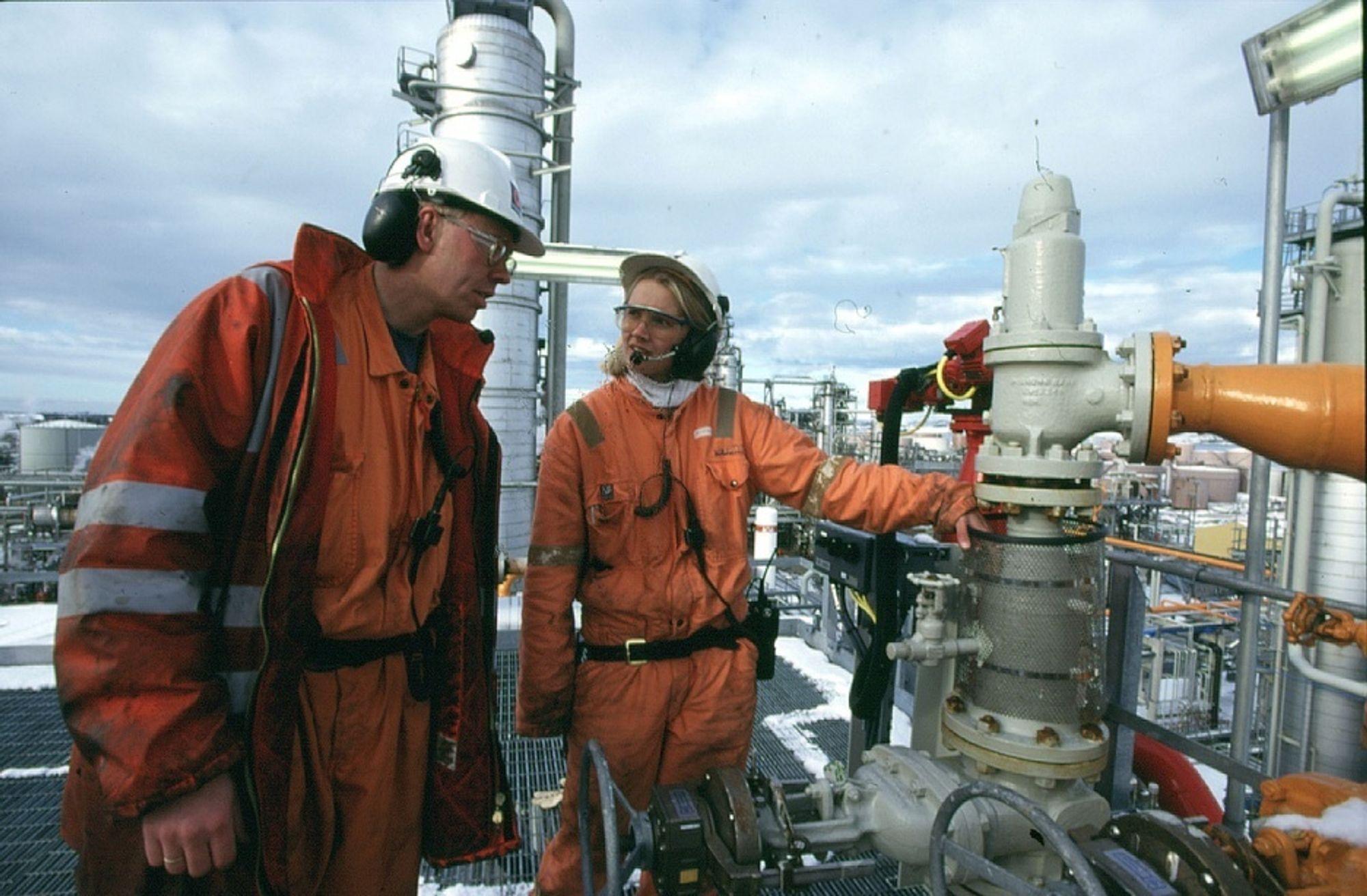 SØKER KOLLEGER: Investeringene i offshorenæringen bidrar til at Vestlandet har lyst ut jobber for 1351 ingeniører og andre realister i januar.
