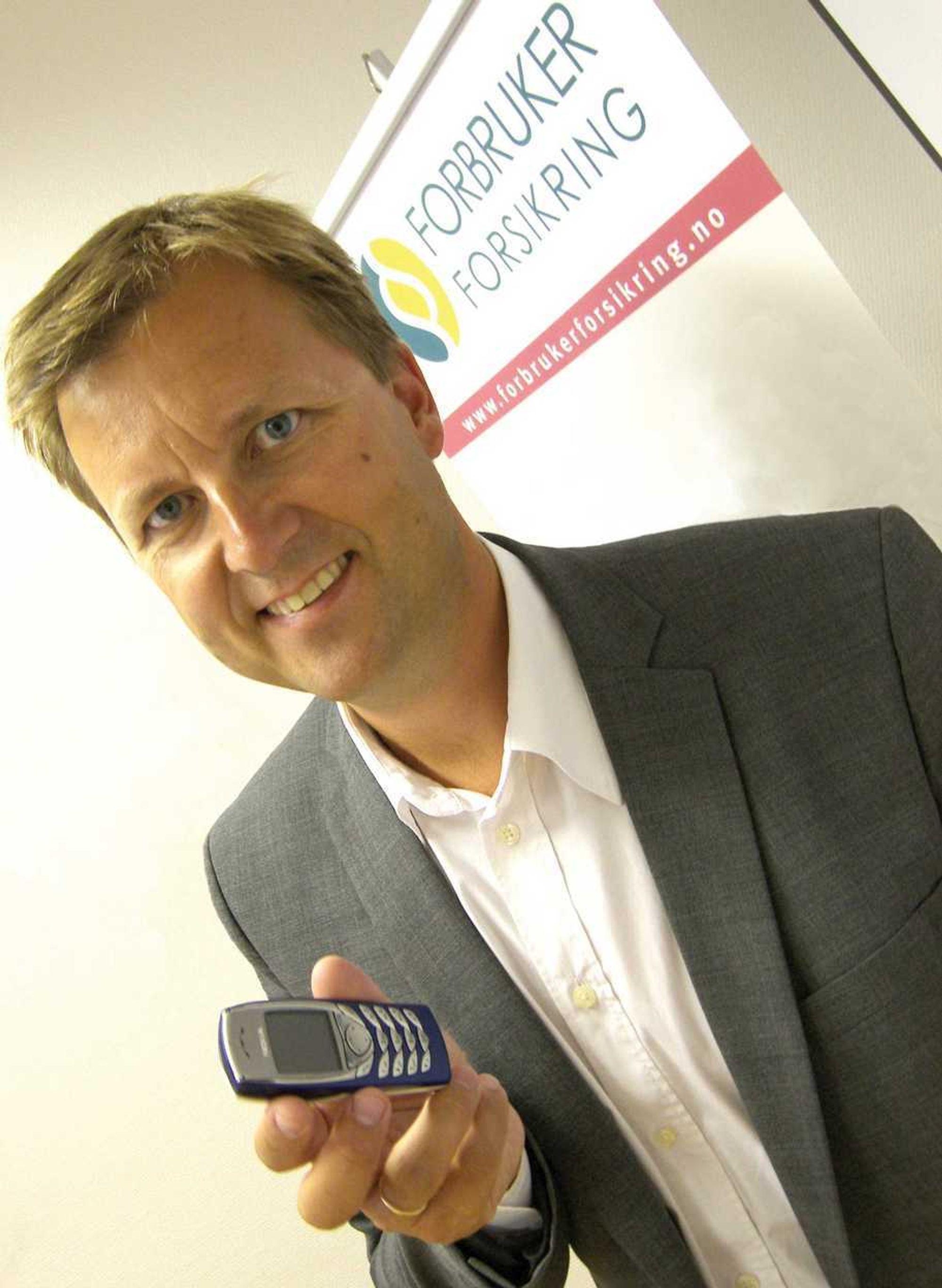 TIL RETTEN: Administrerende direktør Johan Dolven i Forbrukerforsikring klager nå Nokia inn for Forliksrådet i Oslo.