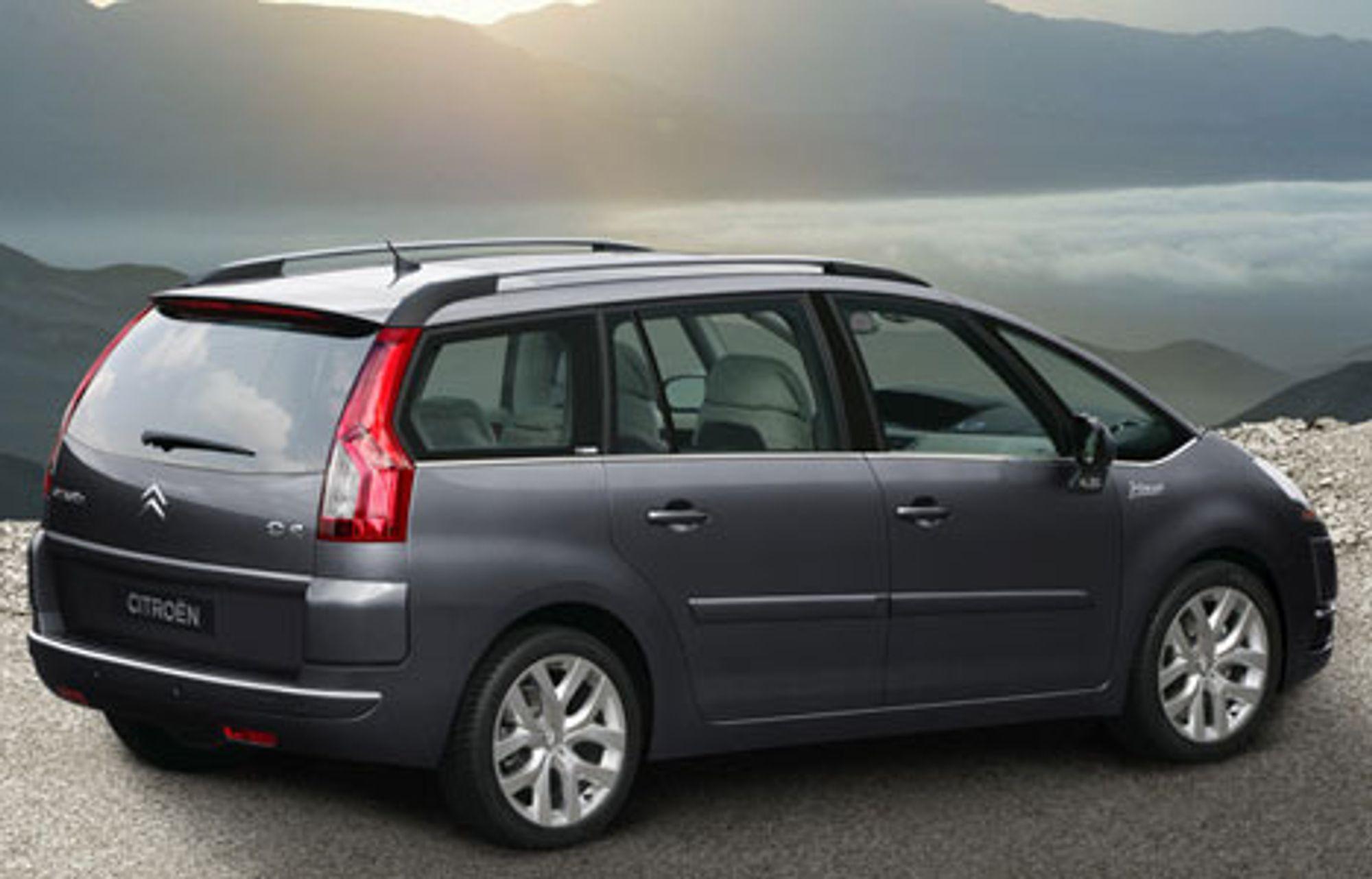 Nye Citroën C4 Picasso er utstyrt med en ny elektronisk styrt 6-trinns manuell girkasse. Denne girkassen er enten koblet til en to-liters bensinmotor som yter 143 HK eller til HDi-dieselmotorer som yter 110 HK eller 138 HK, begge med partikkelfilter.