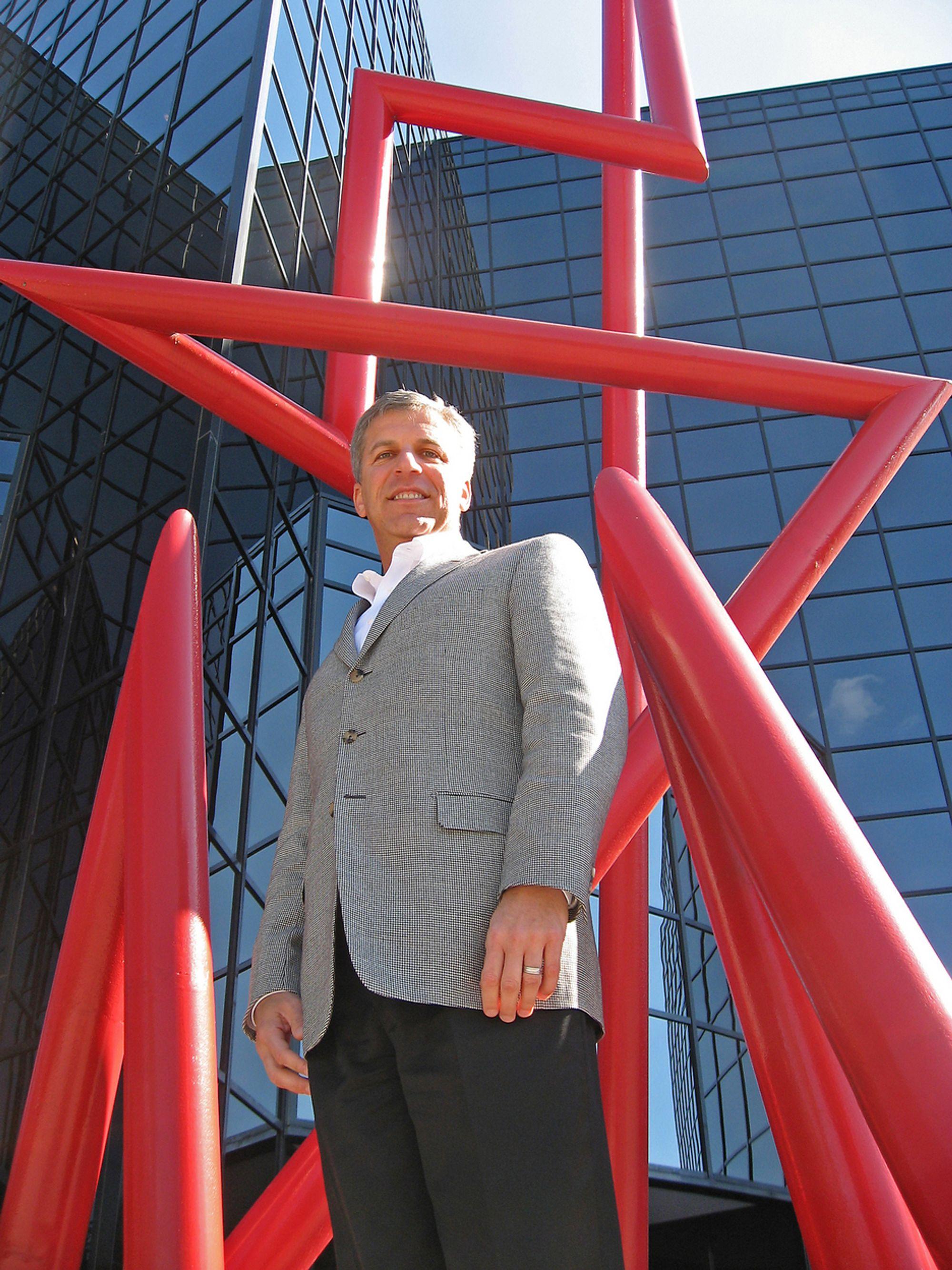 ALLE VIL HA ANALYSE:Sjefen for markedsføring Jim Davis i SAS Institute tror de sitter på den gylne gren i markedet.