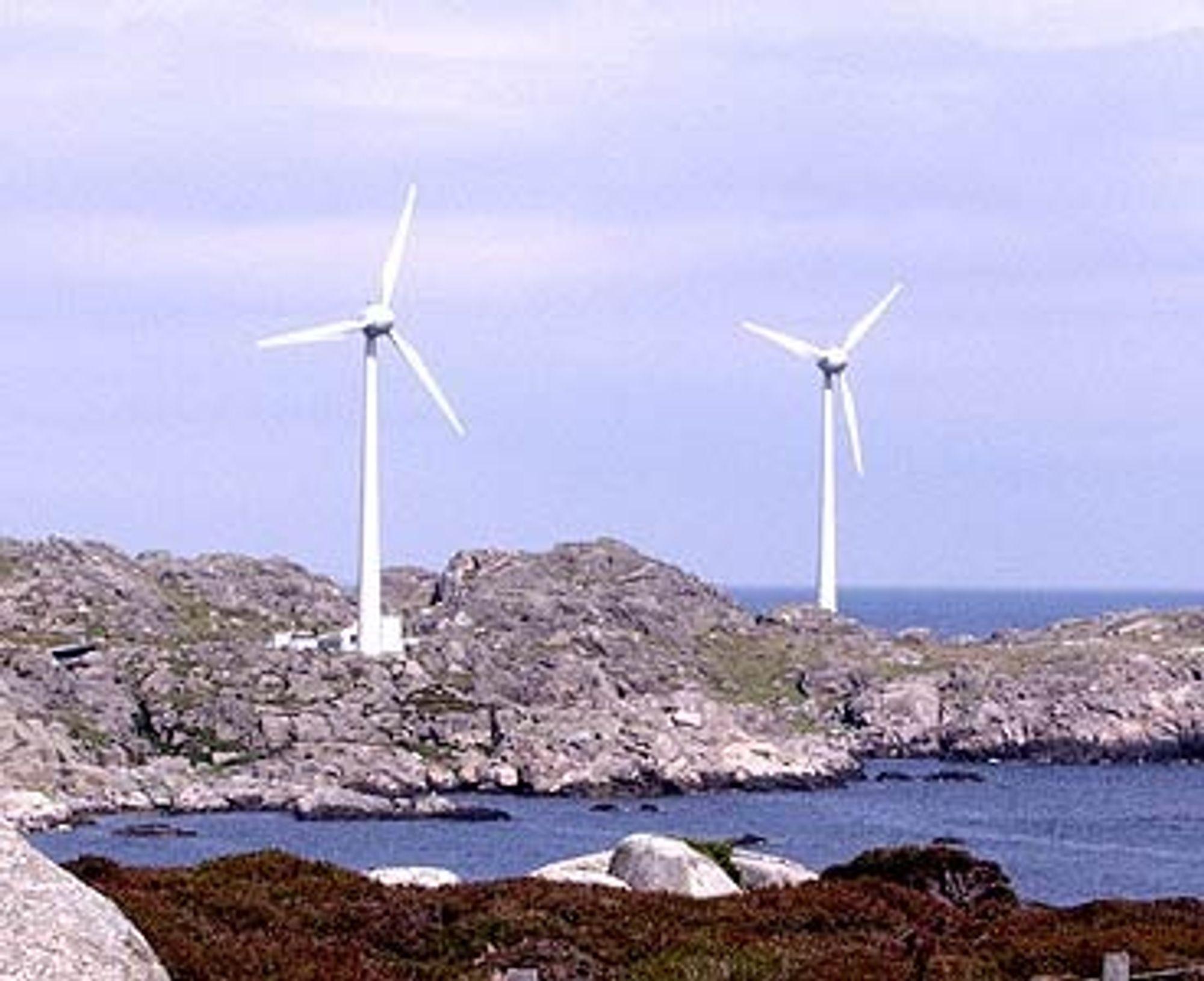 SOLGT: Statoil har kvittet seg med de to vindmøllene som var en del av hydrogen-prosjektet på Utsira.