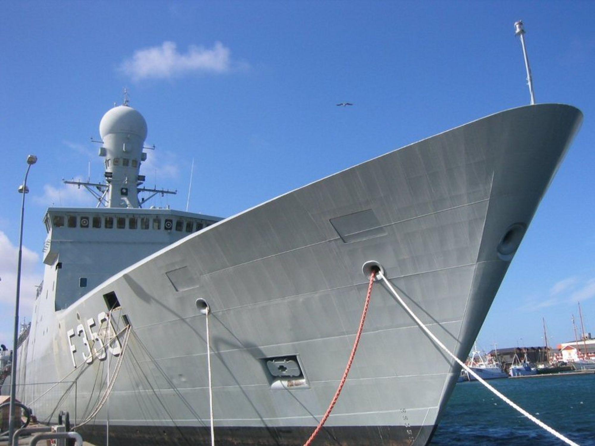 STØRSTE DANSKE: Galathea 3 er den største danske forskningsekspedisjonen siden dens forgjenger vendte hjem etter to år på verdenshavene i 1952. Motorproblemer forsinker imidlertid det ombygde forsvarsskipet Vædderen.