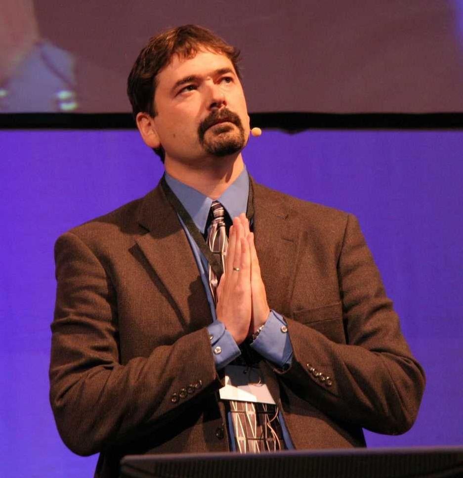 BEDENDE: Opera-gründer og direktør Jon von Tetzchner ber om ro i selskapet.