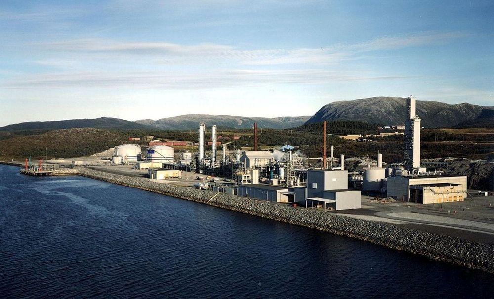 HAR GASS: Tjeldbergodden har tilgang på mer gass enn metanolfabrikken behøver. Et nytt gasskraftverk vil sikre gassavsetning og høy oljeproduksjon på Heidrun- feltet. Samtidig blir kraftmangelen i Midt-Norge dekket.