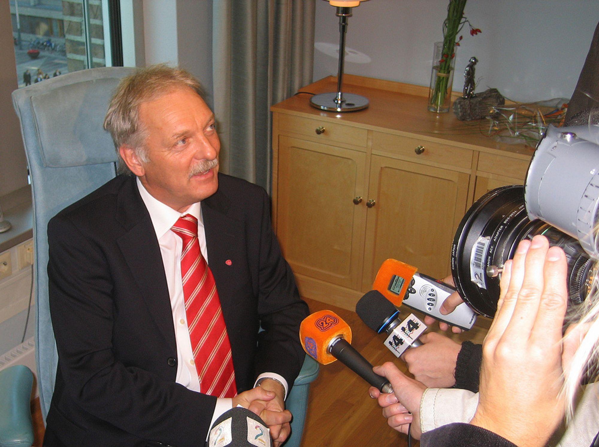 Nærings- og handelsminister Odd Eriksen (Ap)
