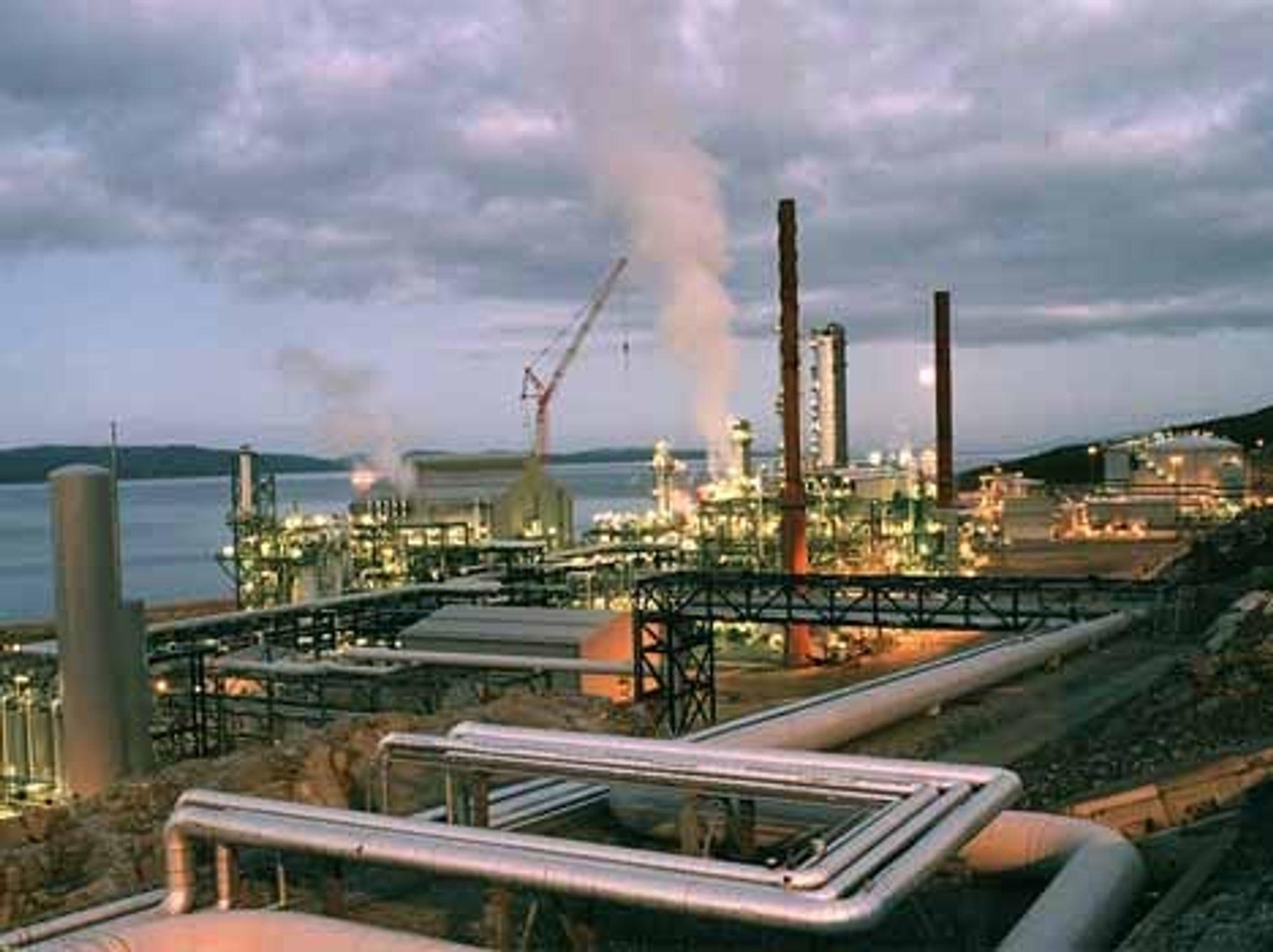 Industrianlegget Tjeldbergodden på Nordmøre og andre Statoil-anlegg på land og ofsshore skal benytte samme informasjonssystem. Foto: Statoil