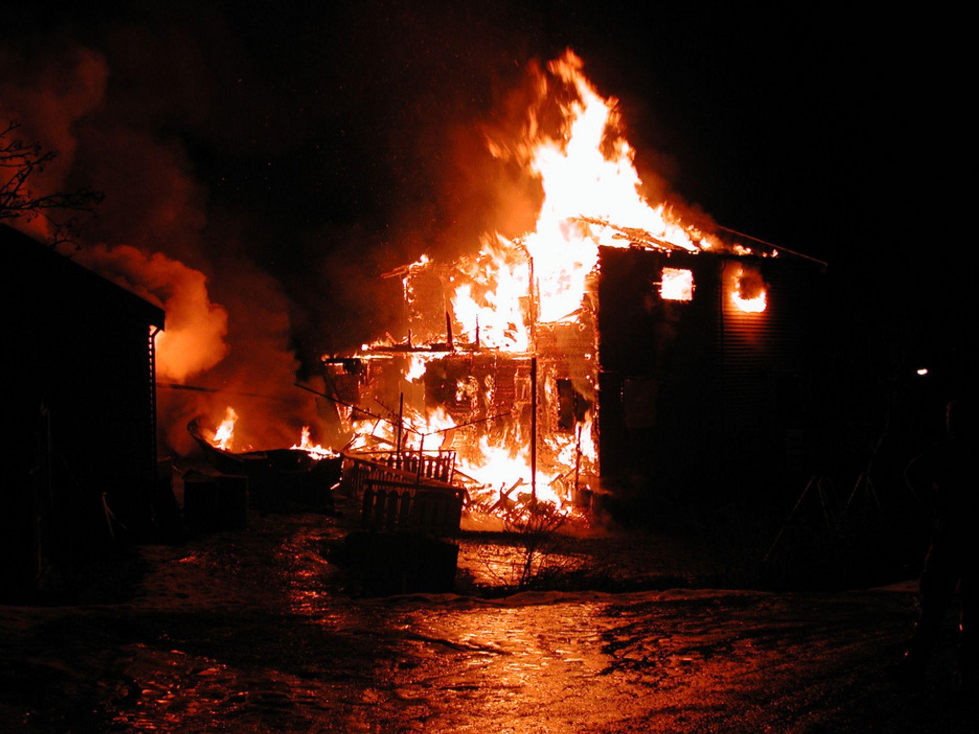 VERN MOT BRANN: Omlag en av tre branner og branntilløp i elektriske anlegg skyldes serielysbue. Feilen er den desidert vanligste i el-anlegg, ifølge tall fra det tidligere Produkt- og elektrisitetstilsynet.