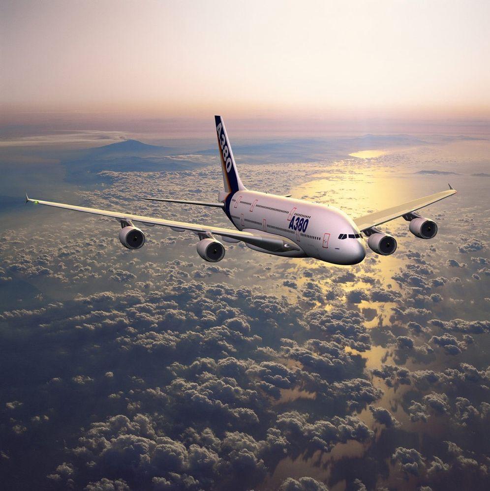 Tirsdag 18. januar 2005 ble verdens største fly - A380 -avduket på flyplassen i Toulouse.