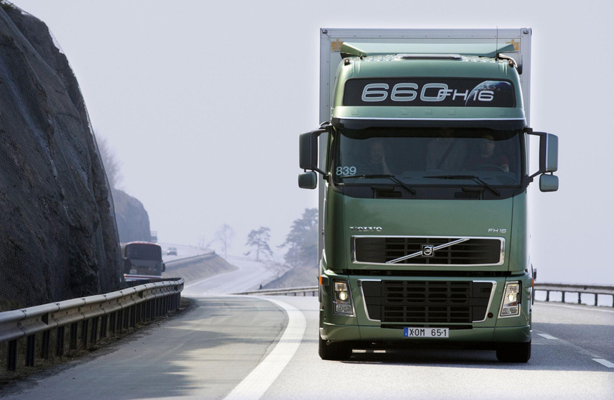 ØKT AKTIVITET: Svenskene produserer en stor del av Europas lastebiler. Økt aktivitet og vekst i sentrale økonomier i Europa sikrer at svensk industri klarer seg bedre.