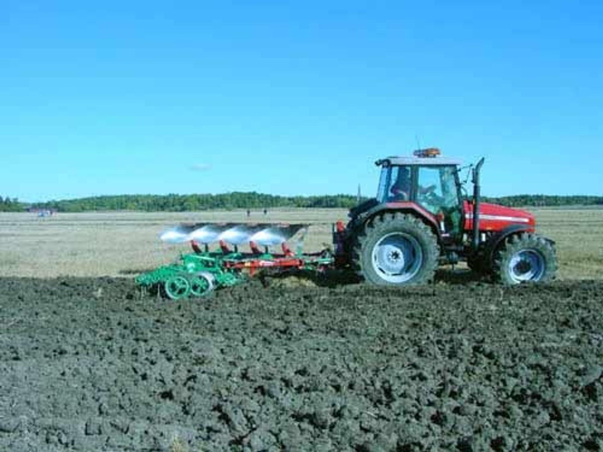Ugreit marked. Enten er det for tørt, for vått eller for kaldt - dersom det ikke er for varmt. Kvernelands salg av jordbruksutstyr påvirkes av været.